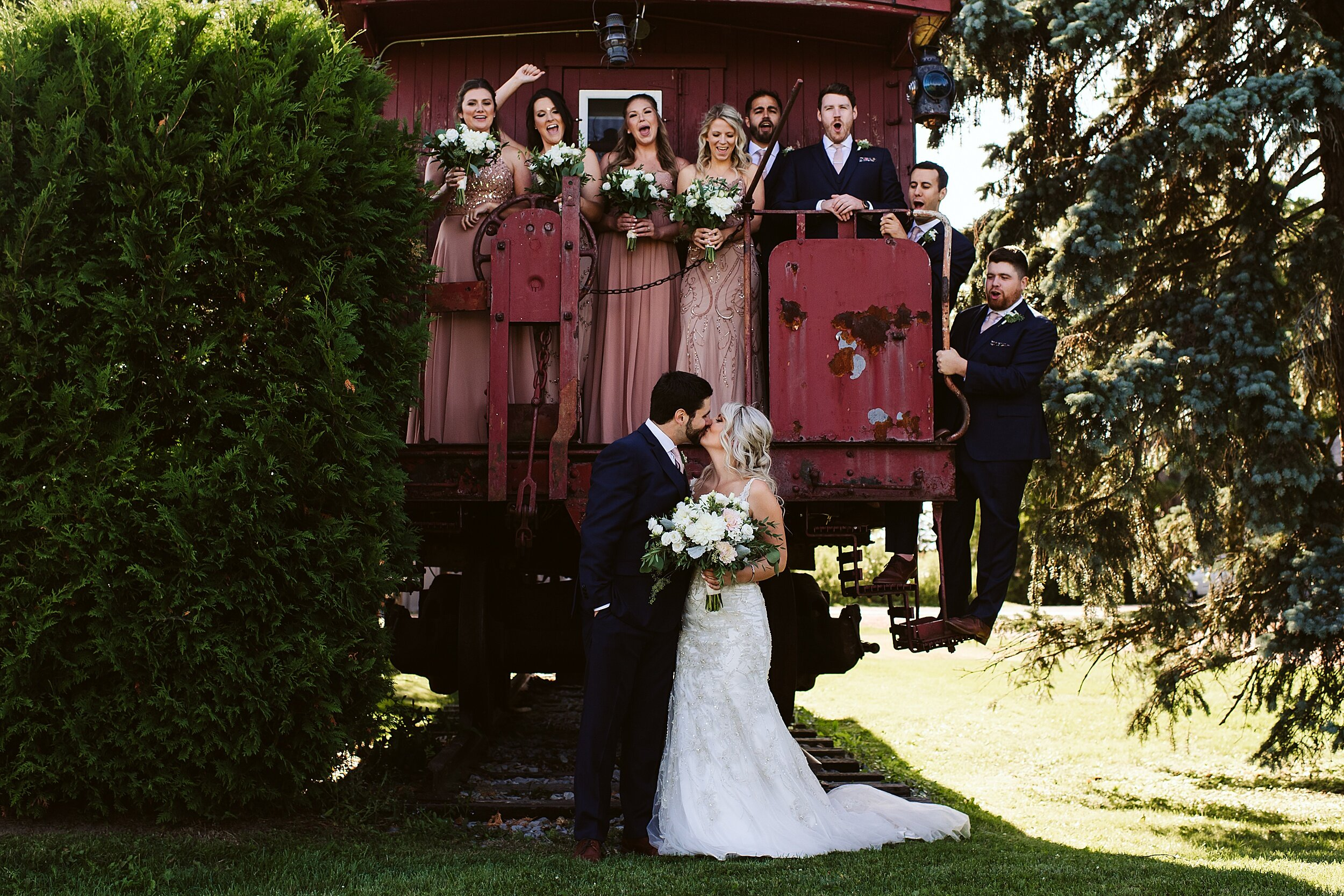 Belcroft-estates-barn-wedding-toronto-photographers_0048.jpg