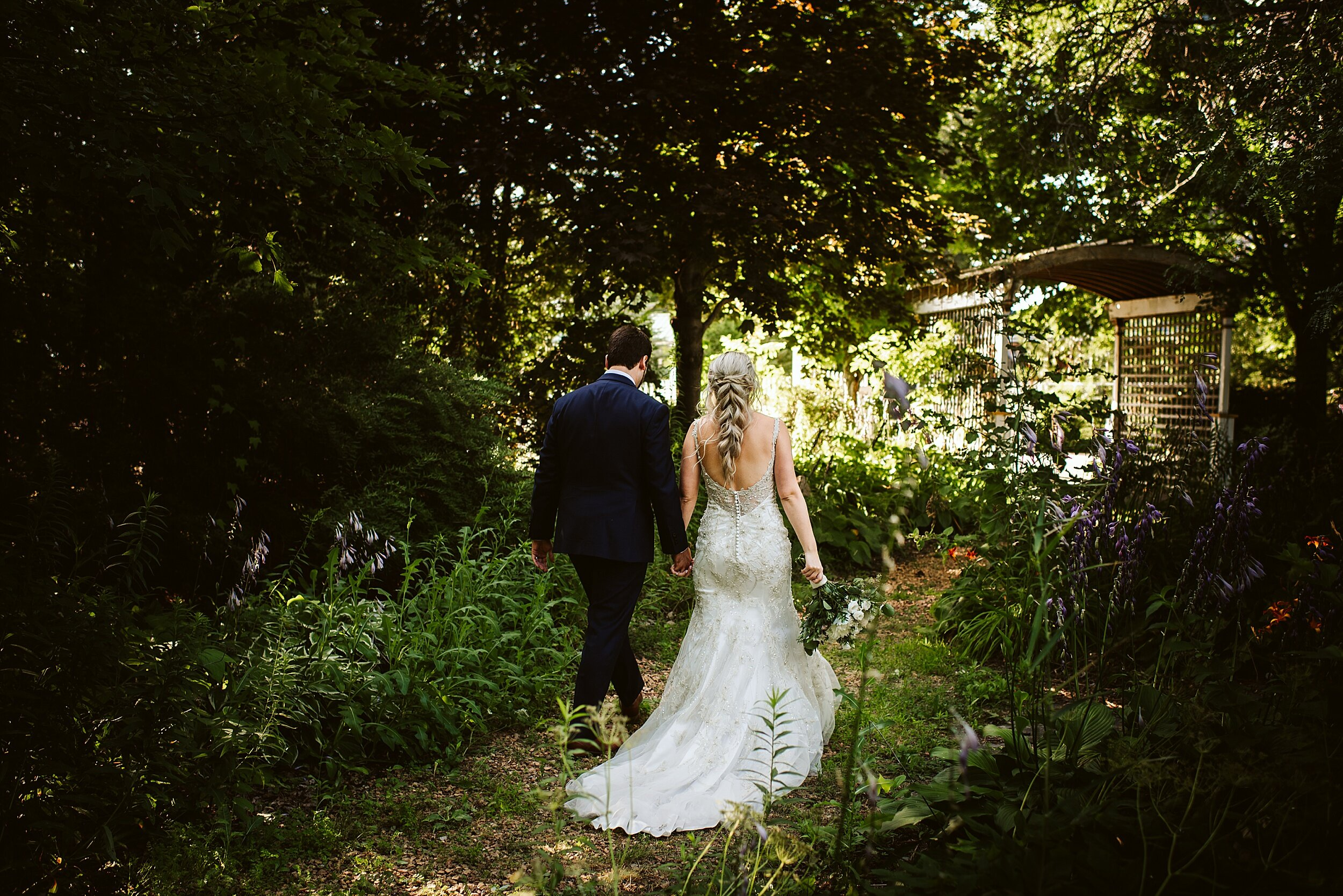 Belcroft-estates-barn-wedding-toronto-photographers_0053.jpg
