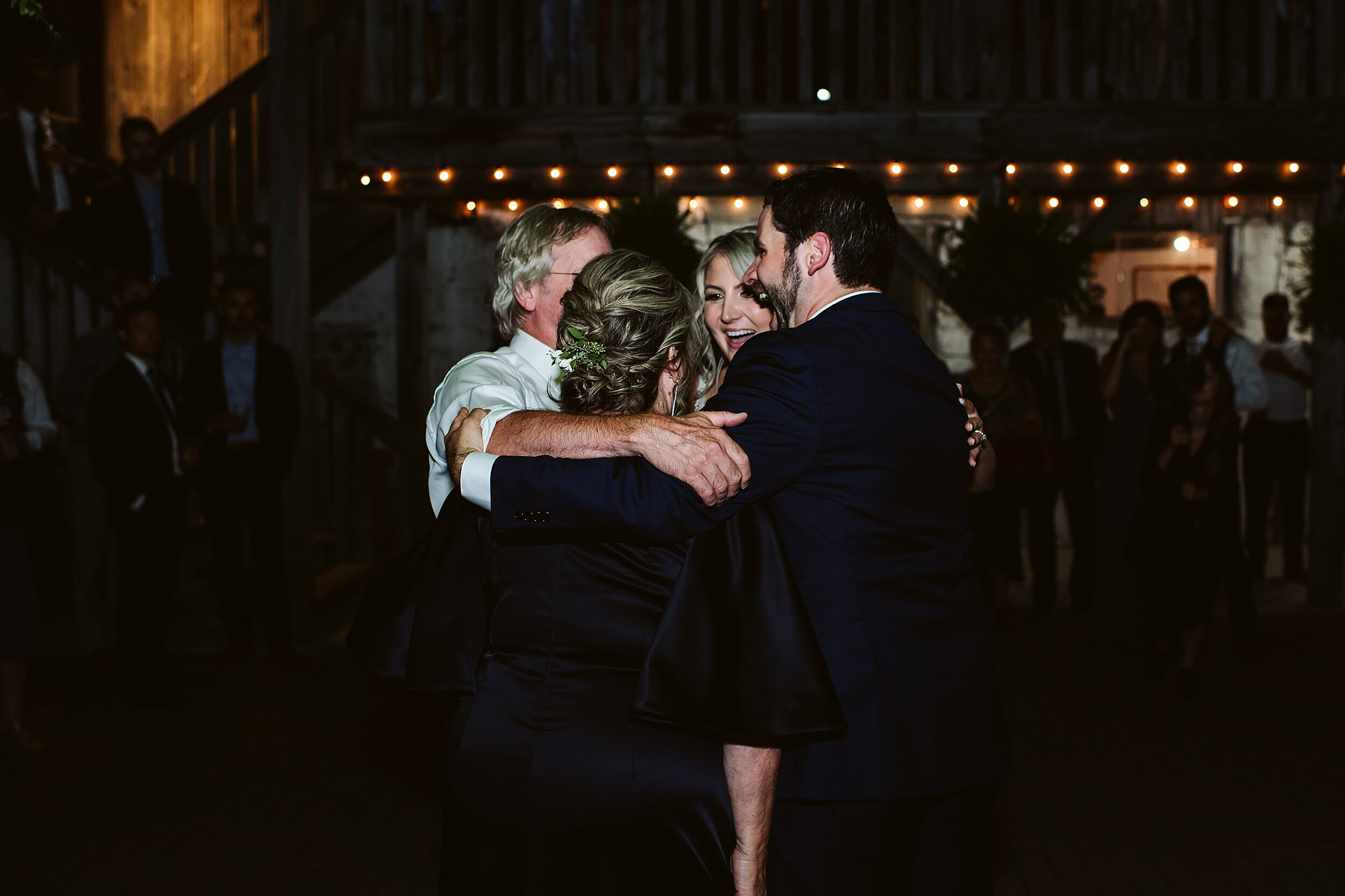 Belcroft-estates-barn-wedding-toronto-photographers_0074.jpg