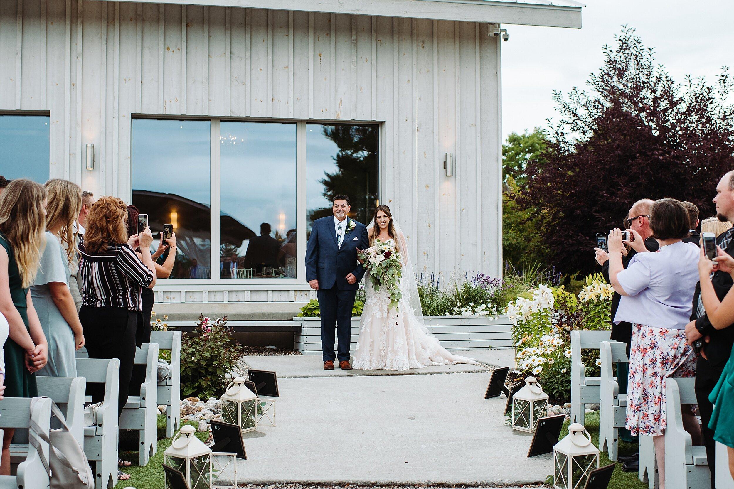 Le_Belvedere_Ottawa_Wakefiel_Quebec_Toronto_Wedding_Photographers_0029.jpg