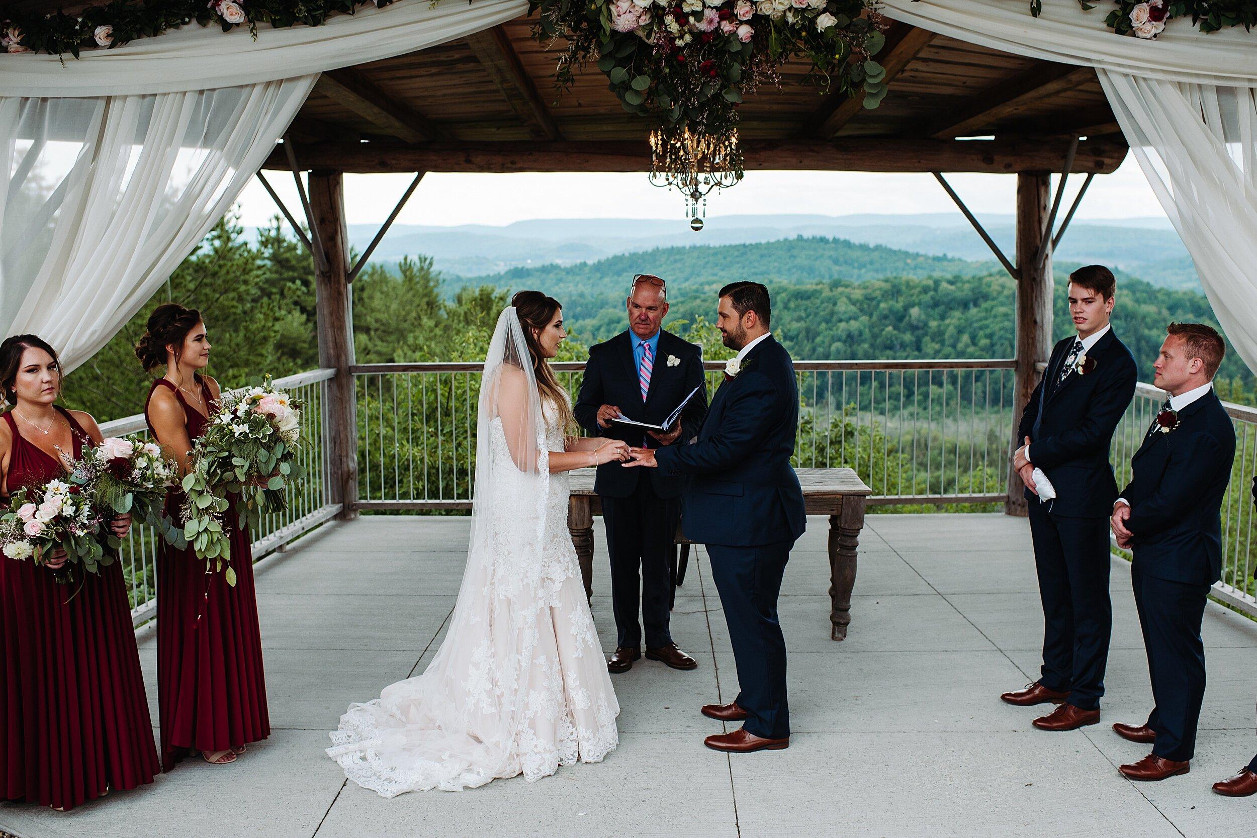Le_Belvedere_Ottawa_Wakefiel_Quebec_Toronto_Wedding_Photographers_0053.jpg