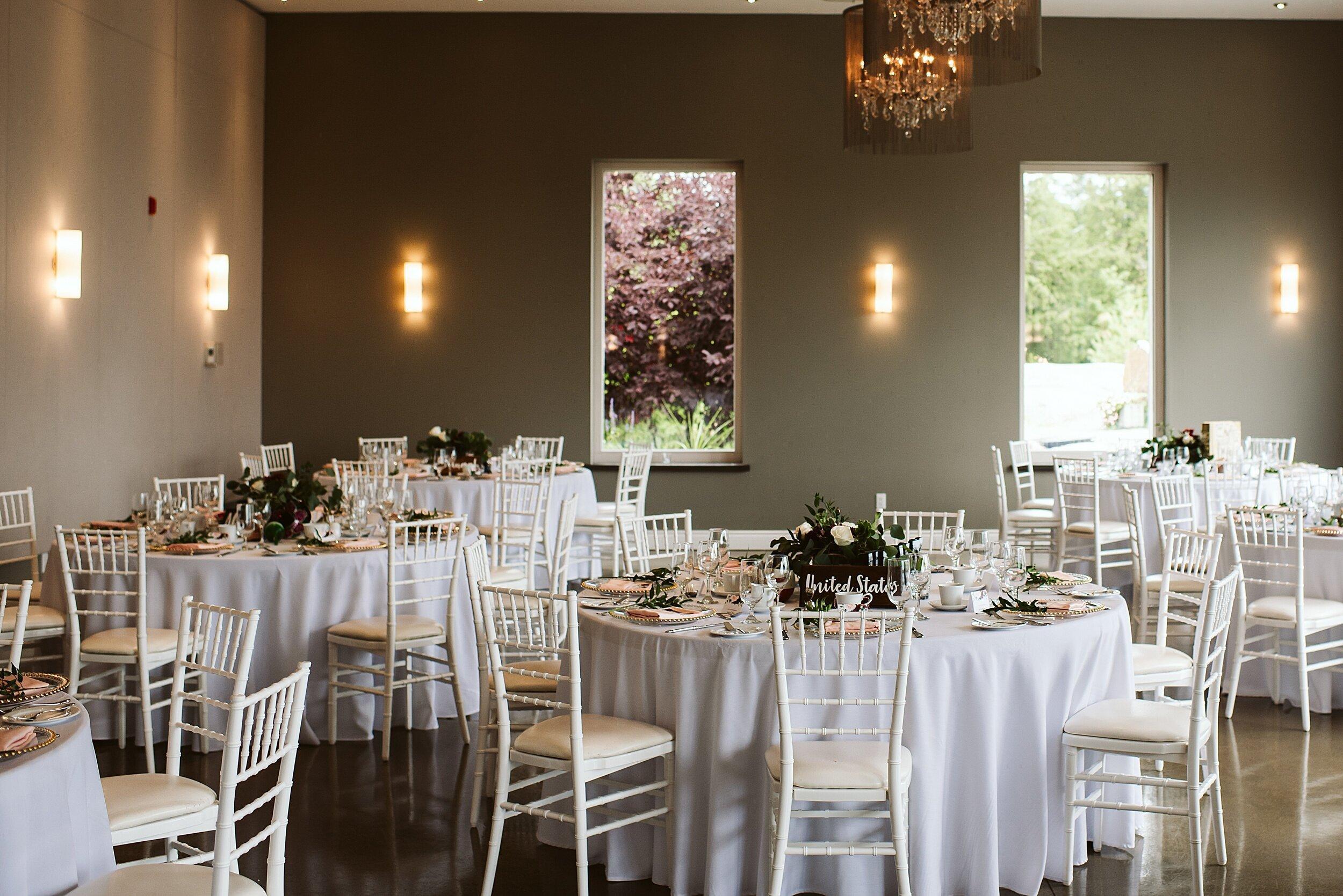Le_Belvedere_Ottawa_Wakefiel_Quebec_Toronto_Wedding_Photographers_0097.jpg
