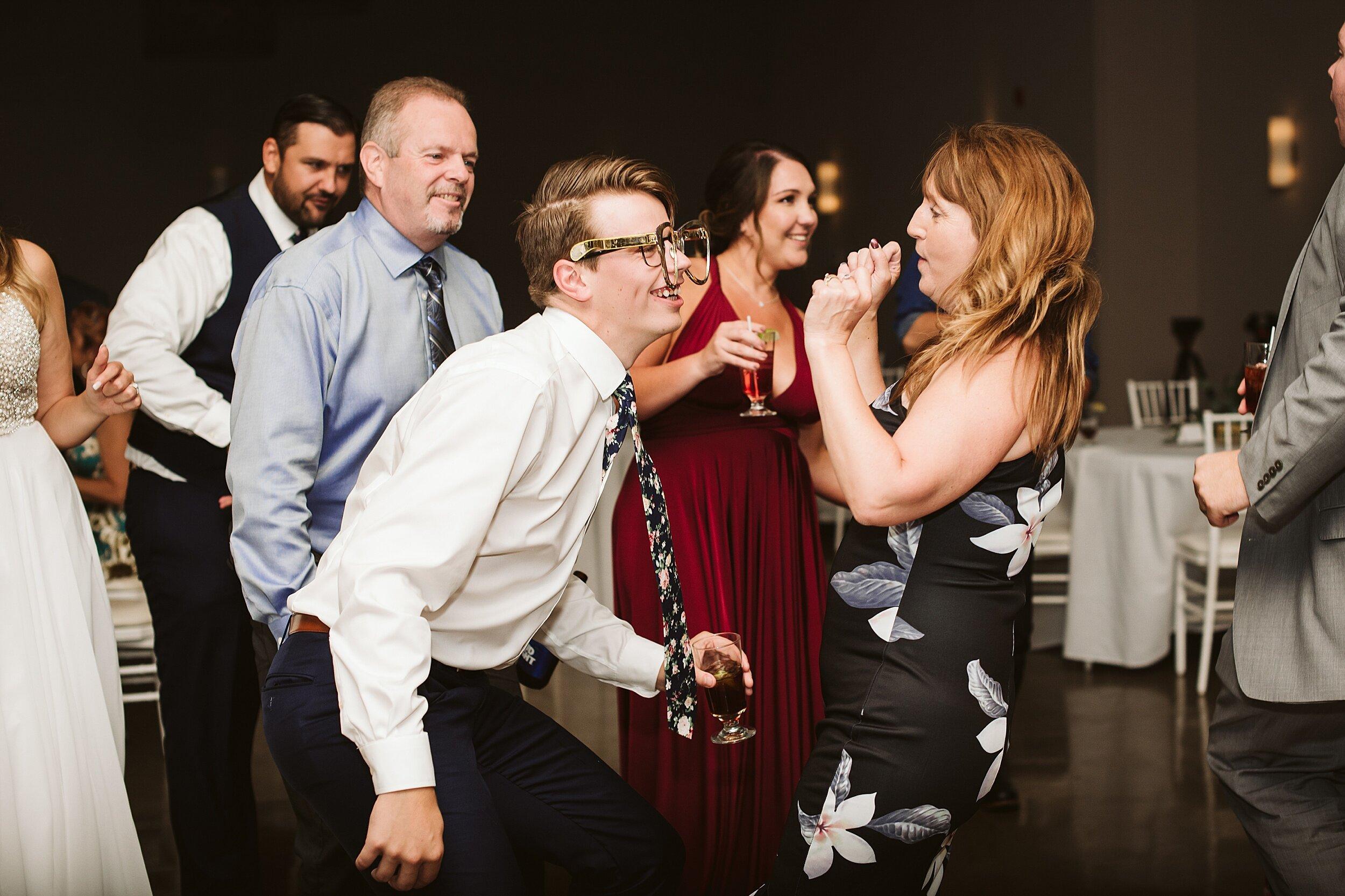 Le_Belvedere_Ottawa_Wakefiel_Quebec_Toronto_Wedding_Photographers_0153.jpg
