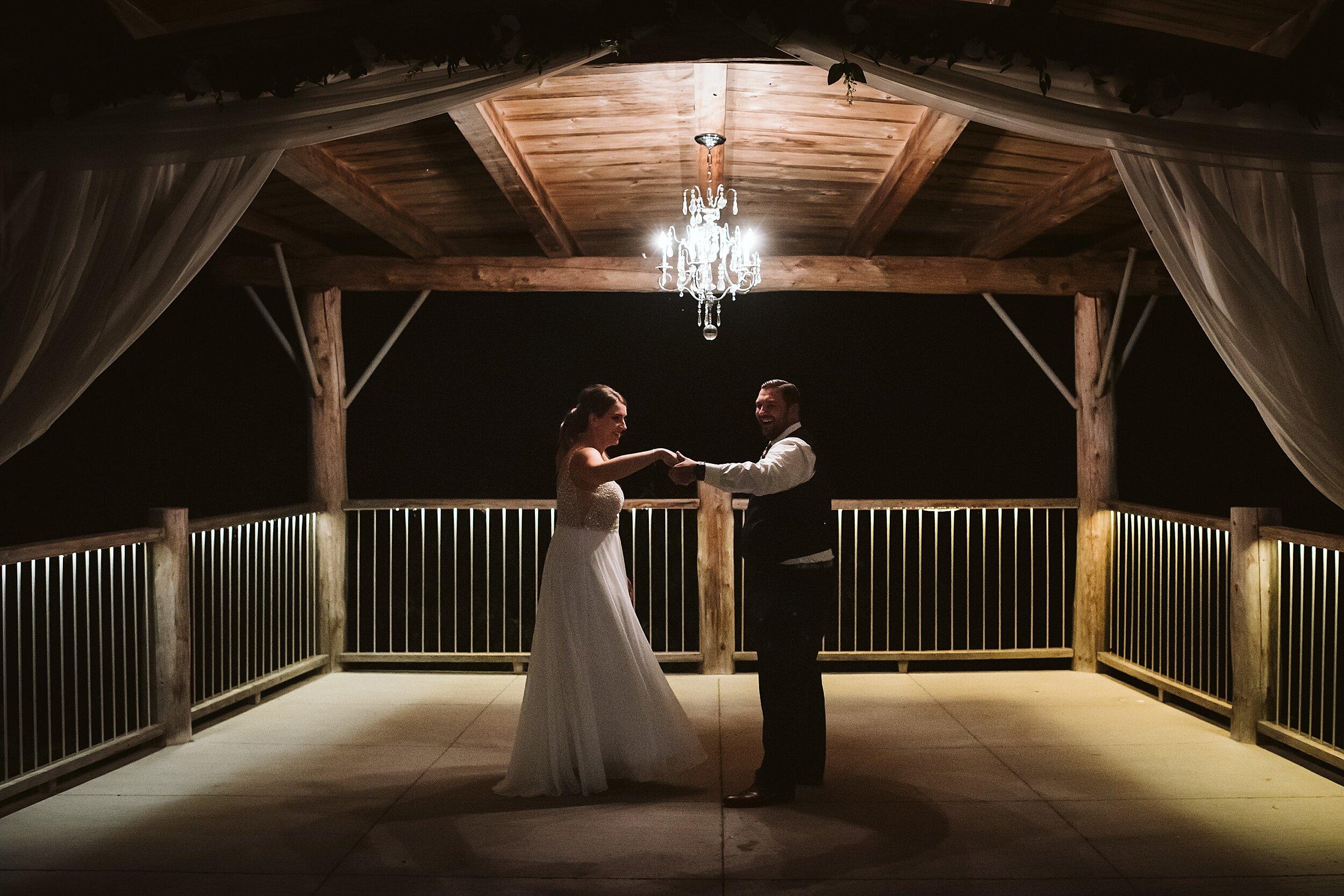 Le_Belvedere_Ottawa_Wakefiel_Quebec_Toronto_Wedding_Photographers_0157.jpg
