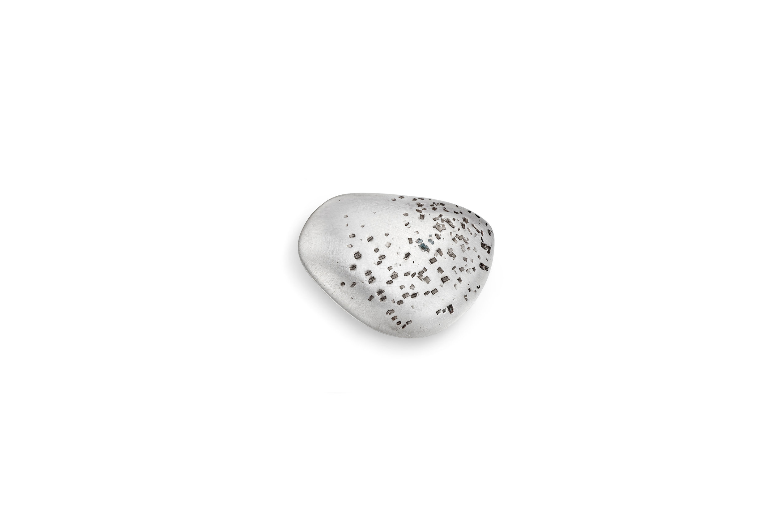 Sterling silver hollow pebble. Size Small round Est 3cm x 2cm