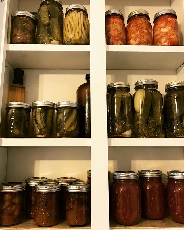 When #hubby gets his #preserve on 🙌 #dillpickles #kimchi #lemoncucumberpickles  #madraspickledeggplant #garlictomatosauce All from the #garden ❤️