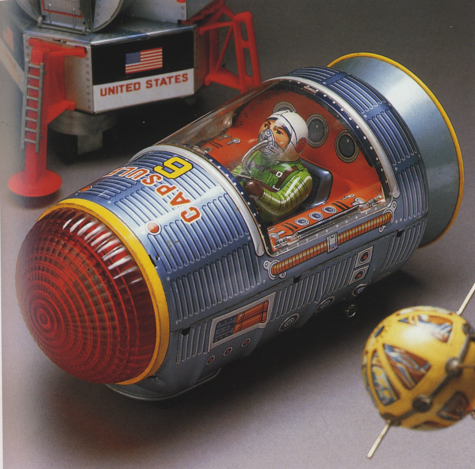 Moon Explorer, tin toy by Yonezawa, 1960s; andCapsule 6, tin toy by Masudaya, 1960s; both photographs by Yukio Shimizu, reproduced inRobots, Spaceships and Other Tin Toys, Taschen, 2006 (first edition 1996)
