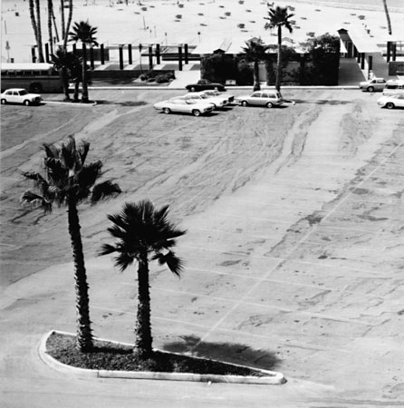 J oe Deal, From the  Beach Cities Series ,  Zuma Beach , 1978. Gelatin silver print. Photography plays an enormous role in the story of visual journalism. Deal was no journalist, but an attentive viewer of landscape. One of the photographers who came to prominence in the New Topographics movement, his work is totally relevant in such discussions. I included his work in the Kemper show in 2015. He was also my friend and onetime boss, having hired me to work at Wash U in his role as dean of the School of Fine Arts. (In 1992!)
