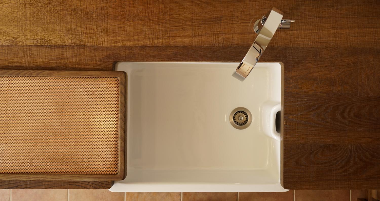 copper & oak sink - www.jackdraper.com.JPG