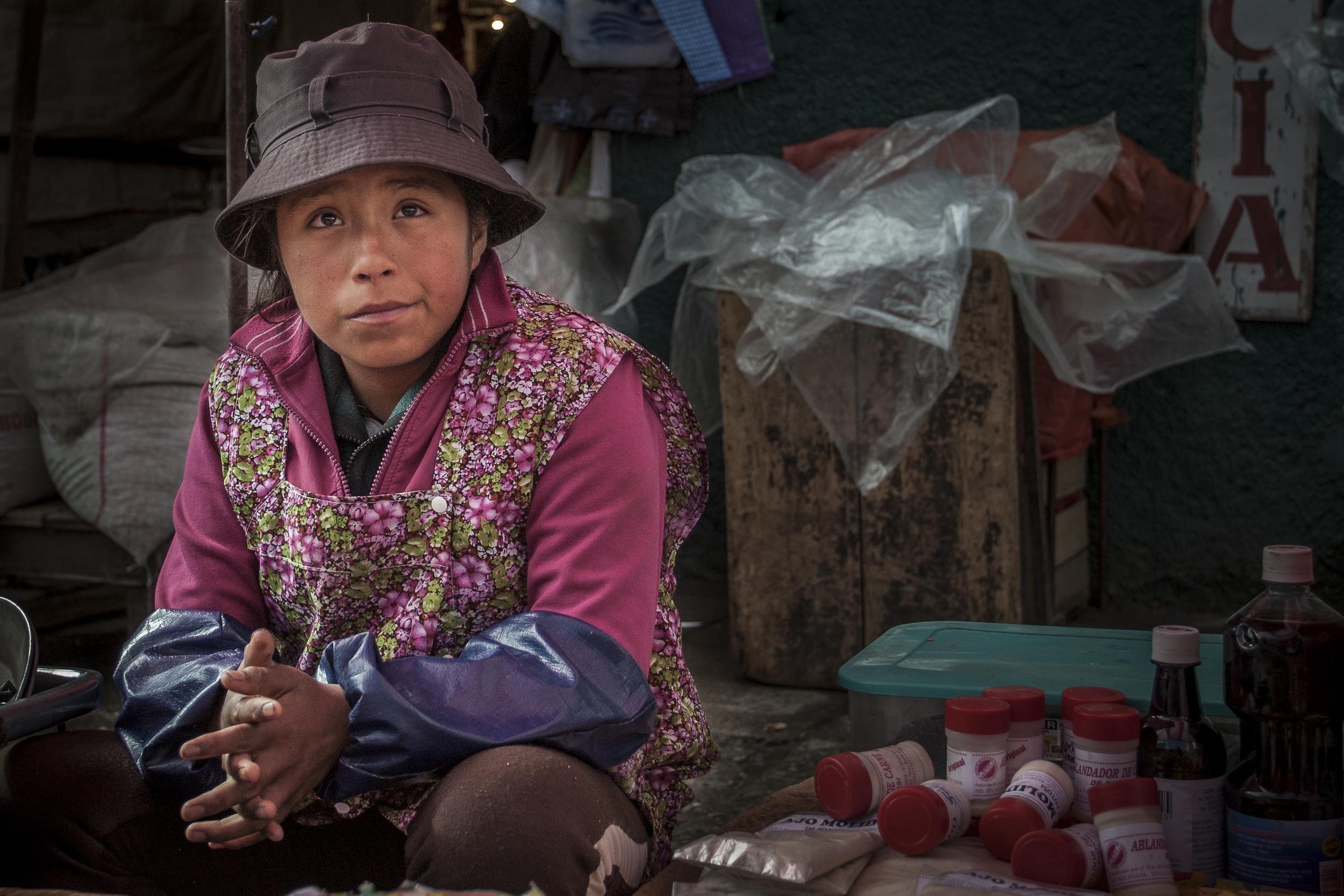 bol girl working market 4x6.jpg