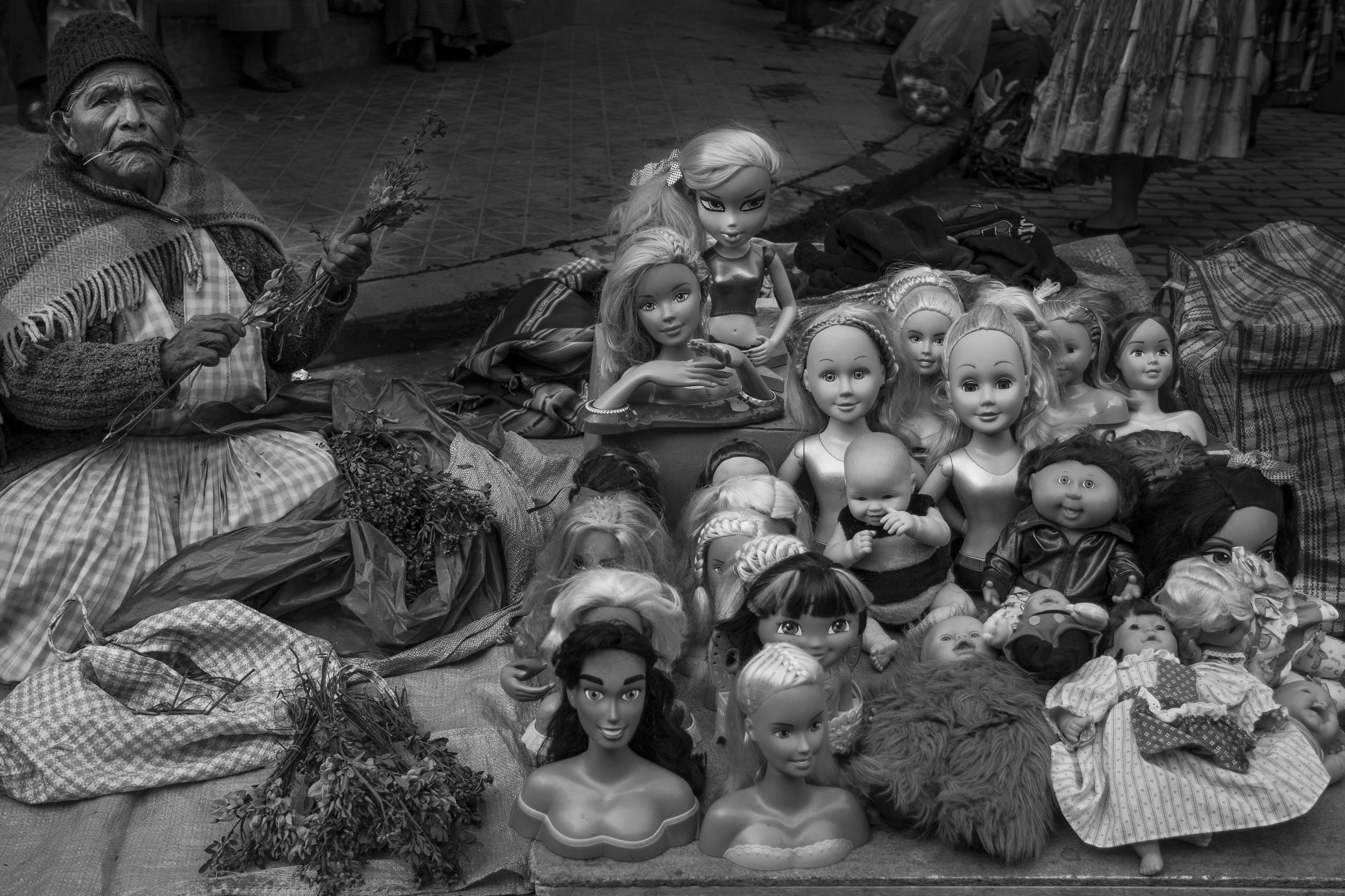 bol woman with dolls bw 4x6.jpg