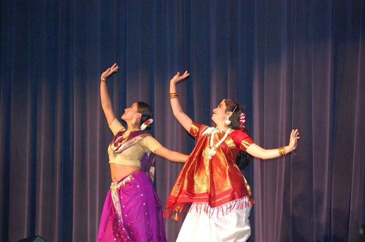 Durga Puja Dance 6.JPG