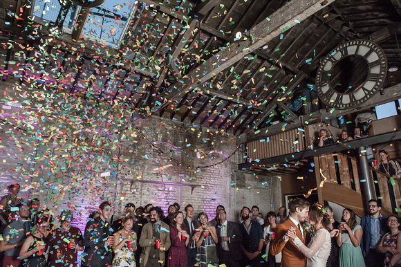 Brixton East Wedding, Confetti moment, Bride & Groom, Style & design, love, Dita Rosted Events