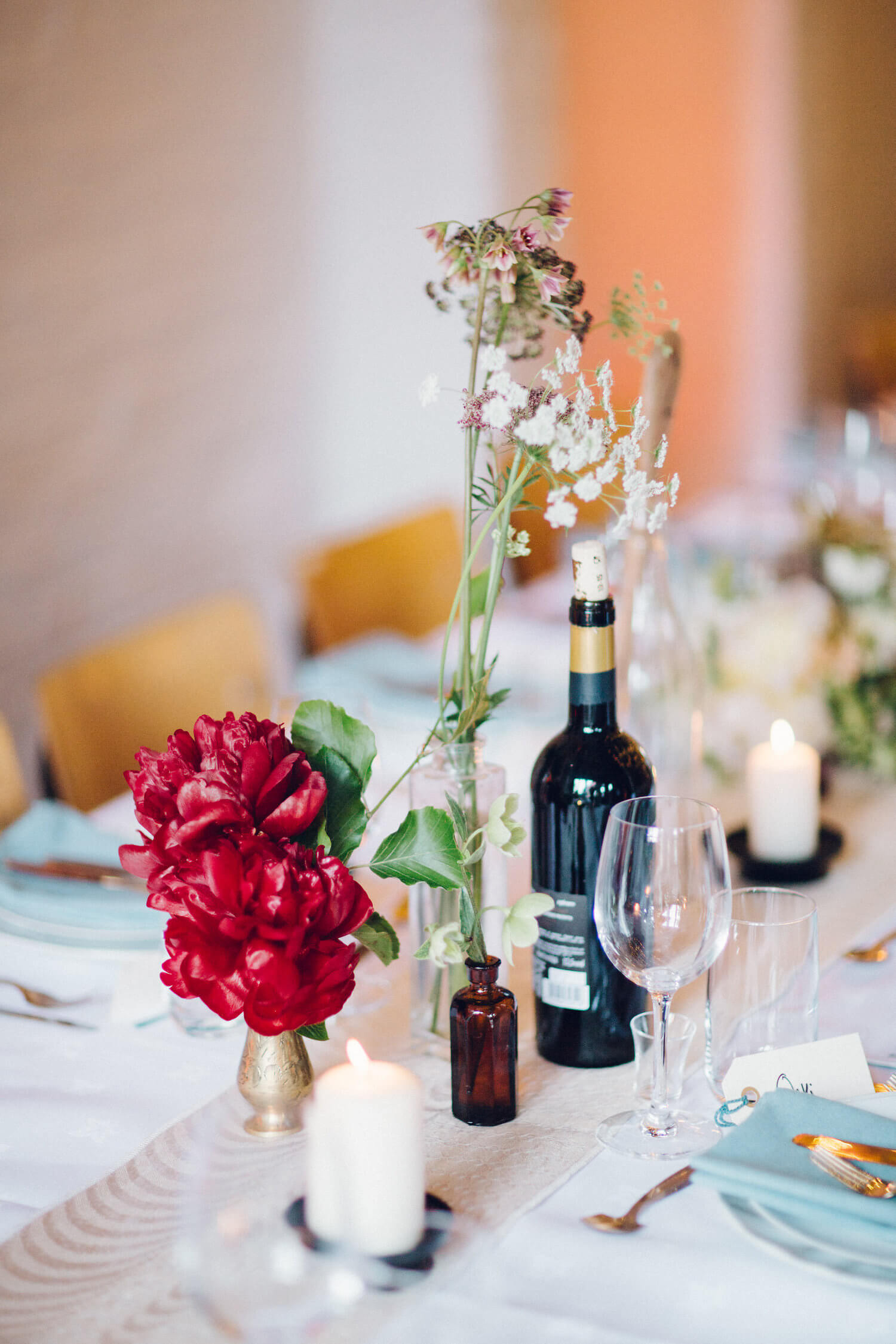 Beautiful wedding tablescape,Quirky Venue, Non-traditional wedding planner, London Wedding coordination, Bespoke weddings, Brixton Wedding, Informal,