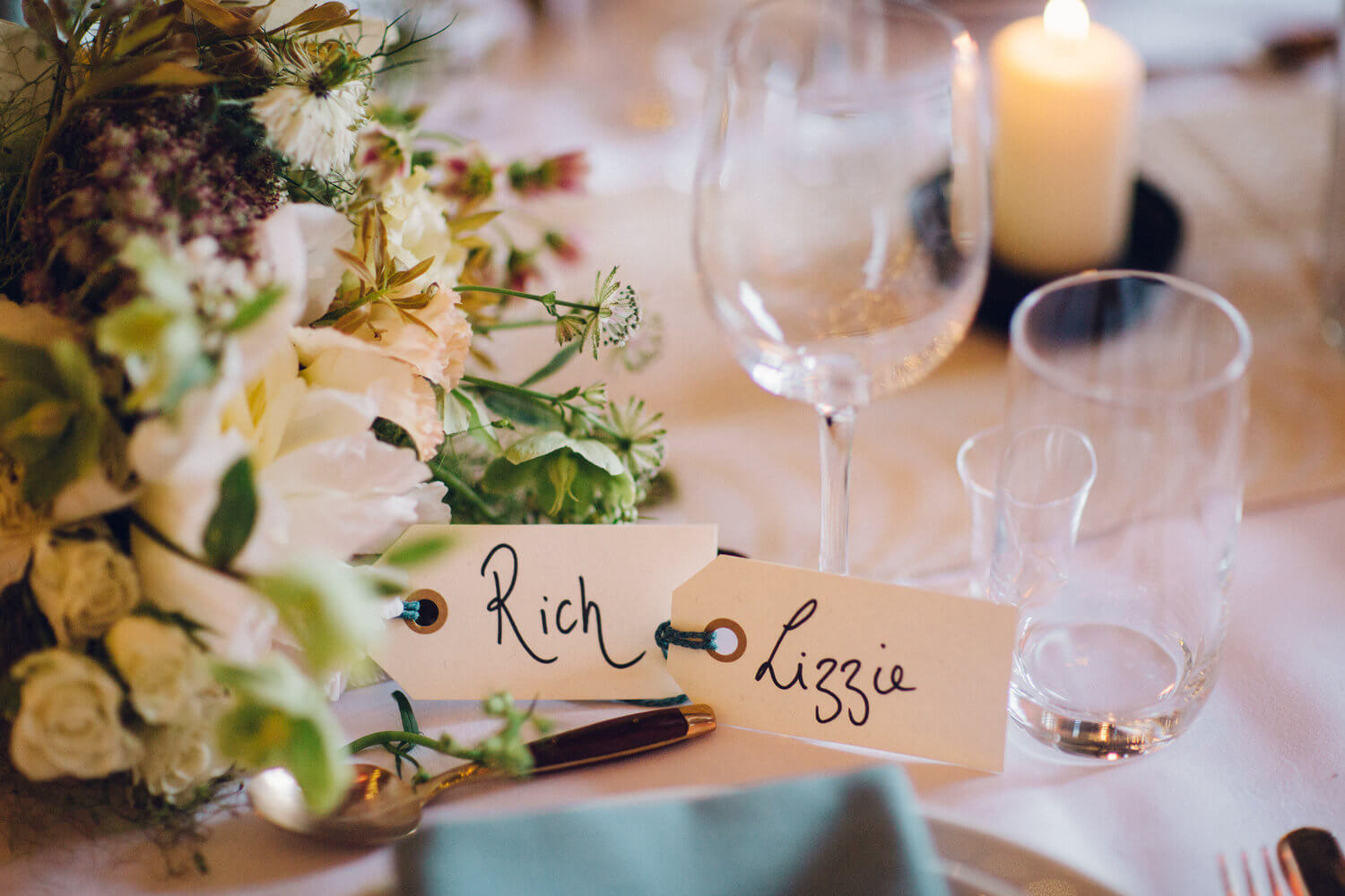 Quirky Venue, Non-traditional wedding planner, London Wedding coordination, Bespoke weddings, Brixton Wedding, Informal, Beautiful tablescape