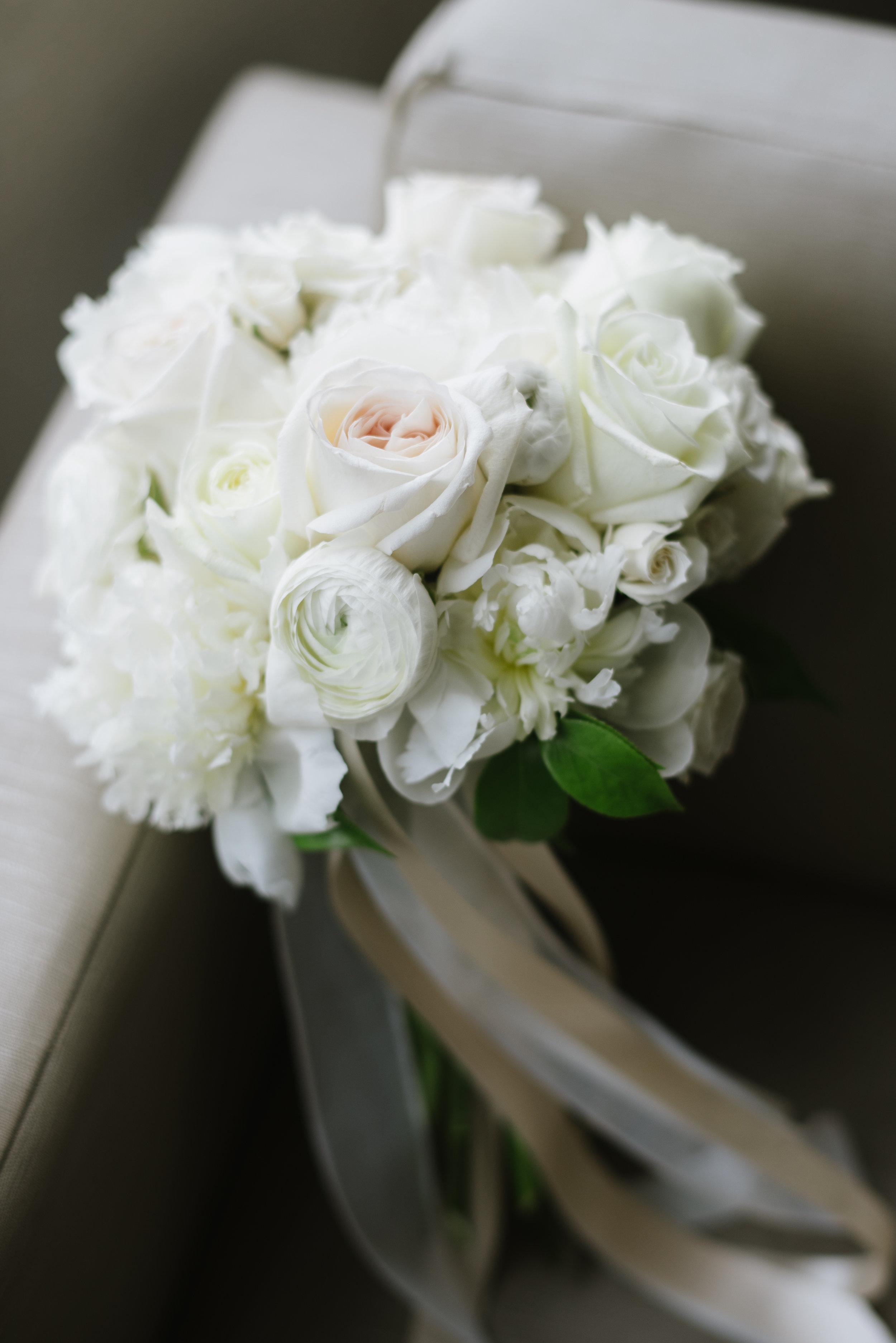 Bouquet: Nous Design Group | Photo: Mango Studios