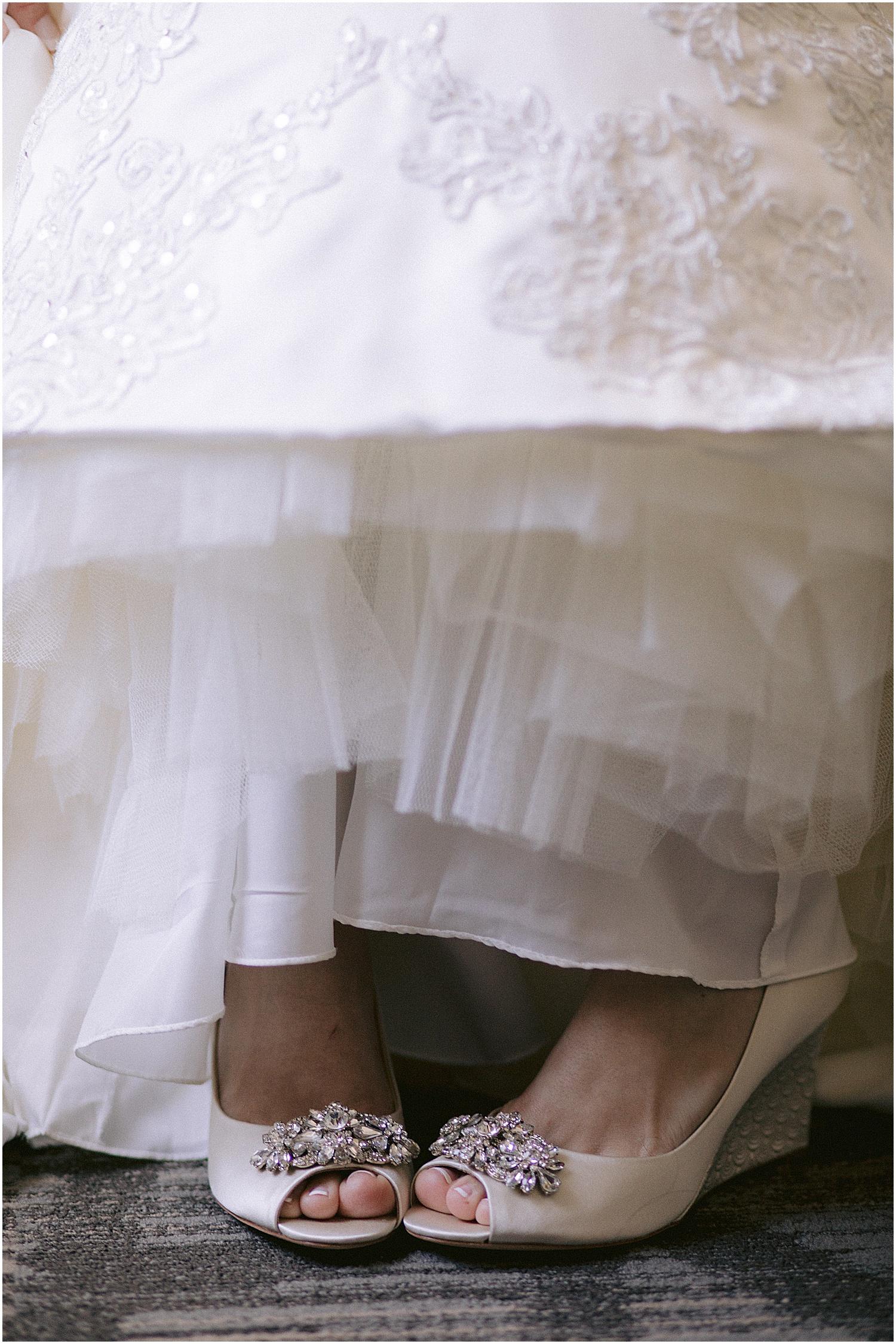 Badgley Mischka wedge shoes willoughby golf club wedding