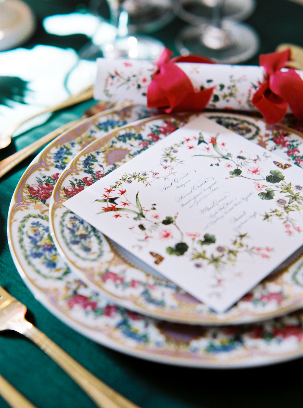 holiday-christmas-dinner-party-table-entertaining-tips