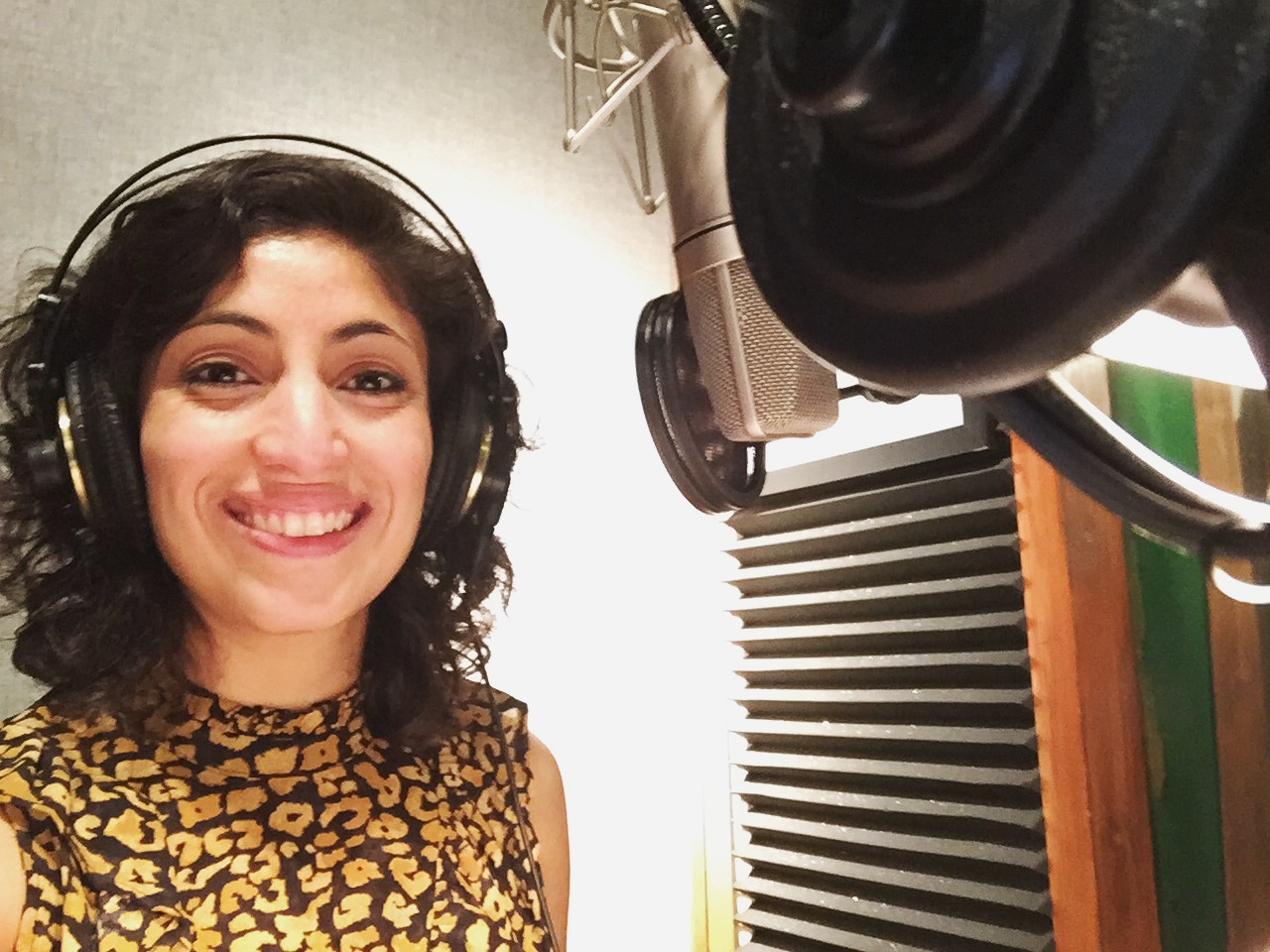 VOICEOVER - LISTEN TO ALBA'S VOICEOVER DEMOS BELOW. THEN, CLICK ON THE VO TAB TO HEAR SOME OF HER RECENT WORK!