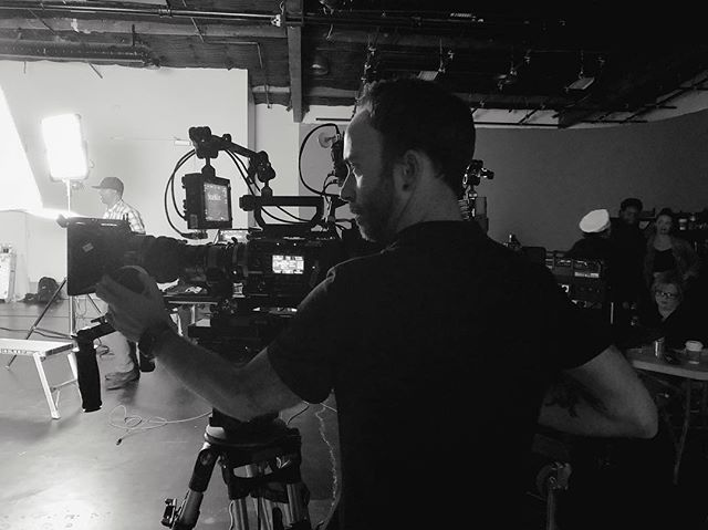 That's a wrap on the latest Starkist spot! Mad love to my amazing crew and @camlightingandgrip for all the amazing lights. 📷: @thisisdannel . . . #onset #directorofphotography #tuna #blackabdwhite #studio #commercial