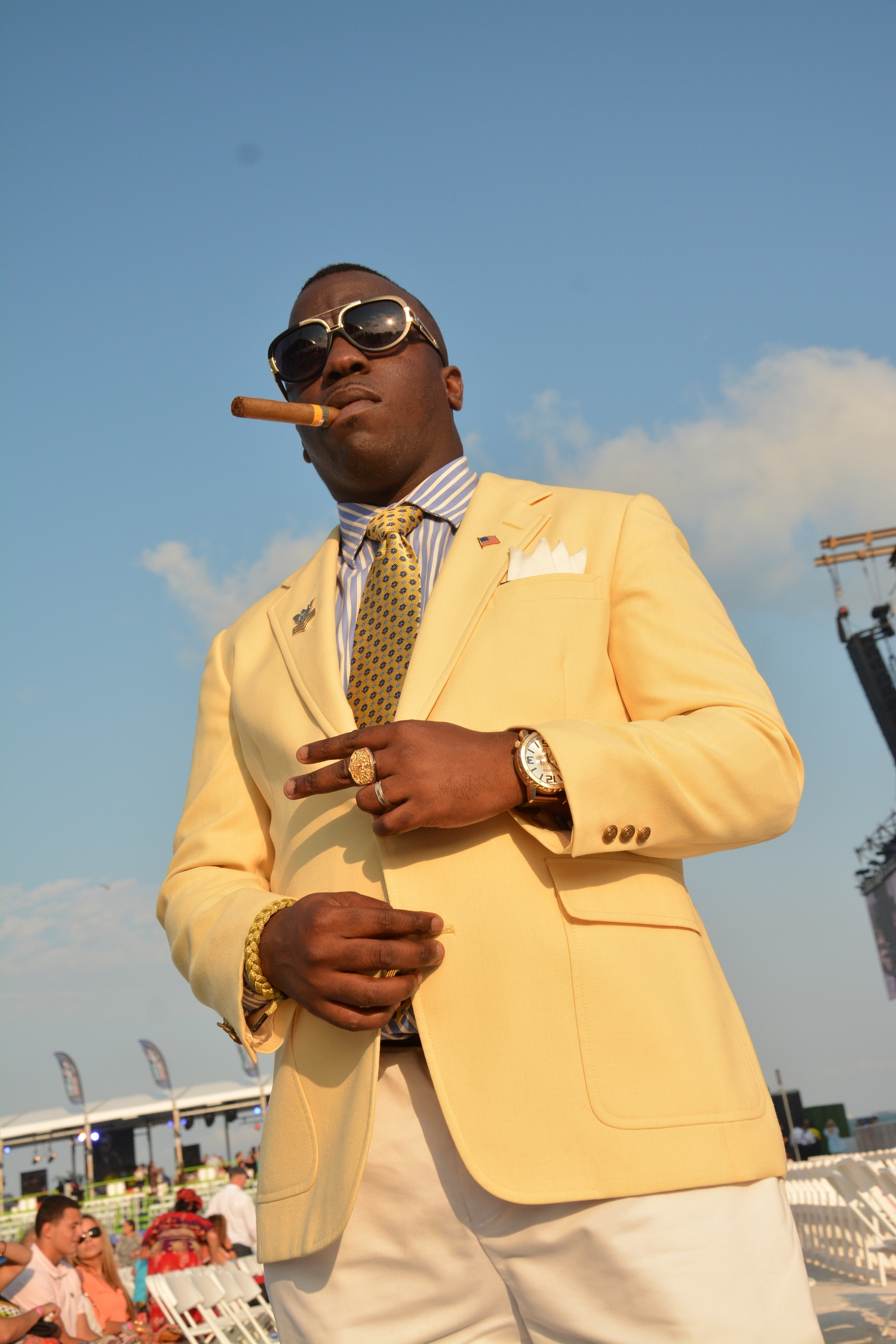 Mike GQ, in uniform complete with Cohiba,gets my vote for best dressed at the concert