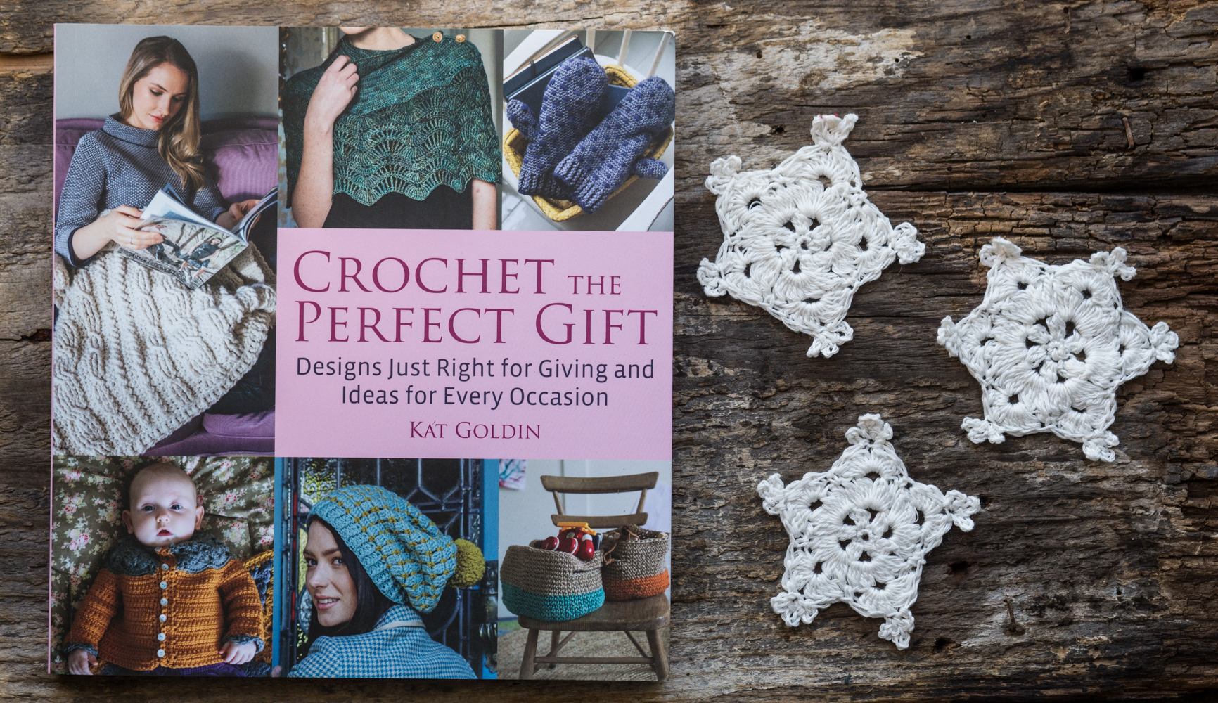 Crochet the Perfect Gift book by Kat Goldin