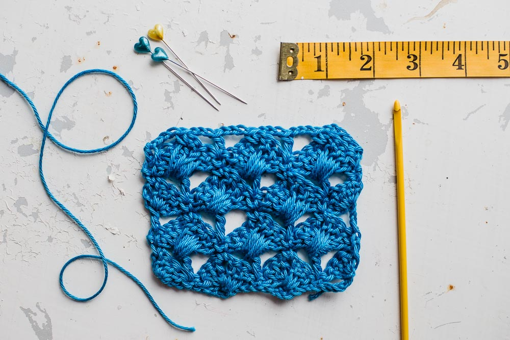 crossed shell stitch tutorial by Slugs on the Refrigerator