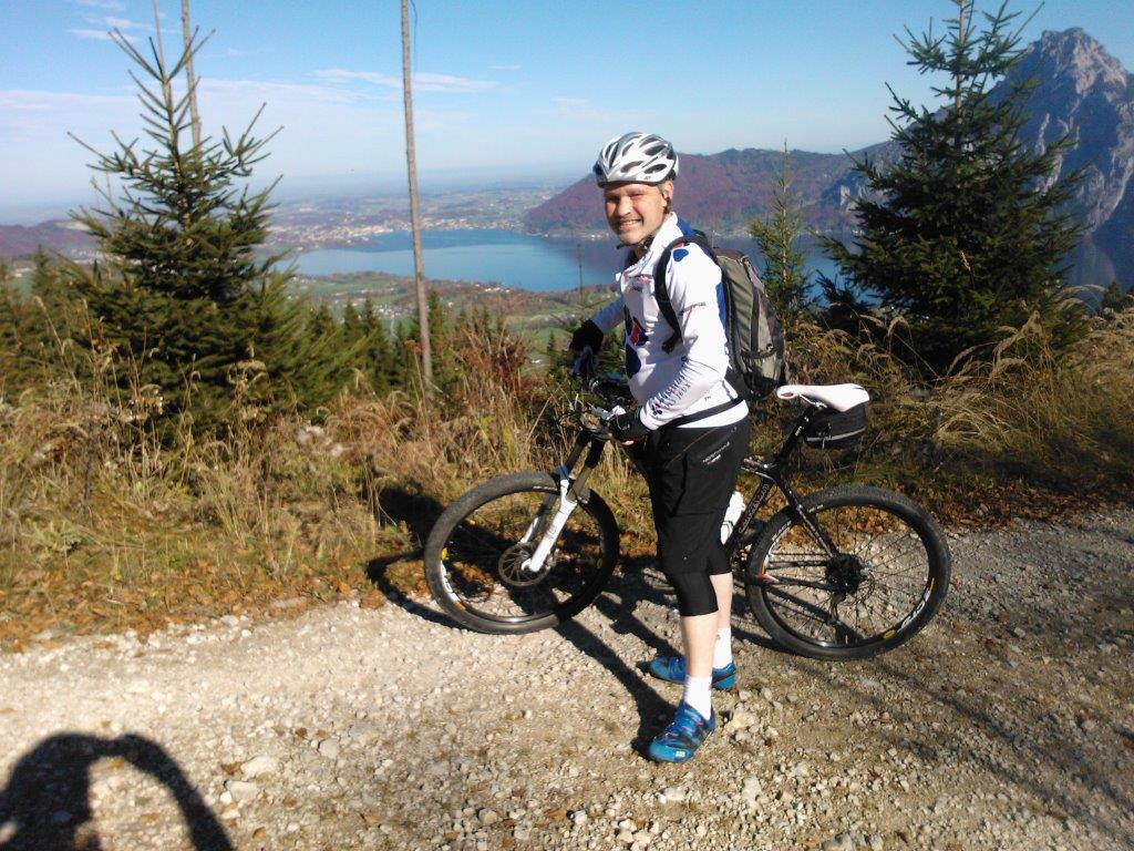 Mountain biking no problem for Dieter and his glucose meter!