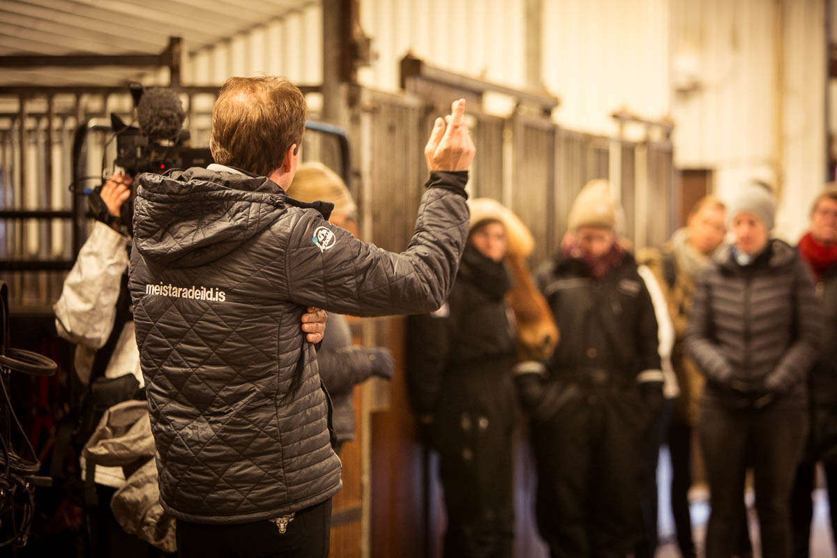 Hinni welcomes and explains about the breeding at Árbakki.