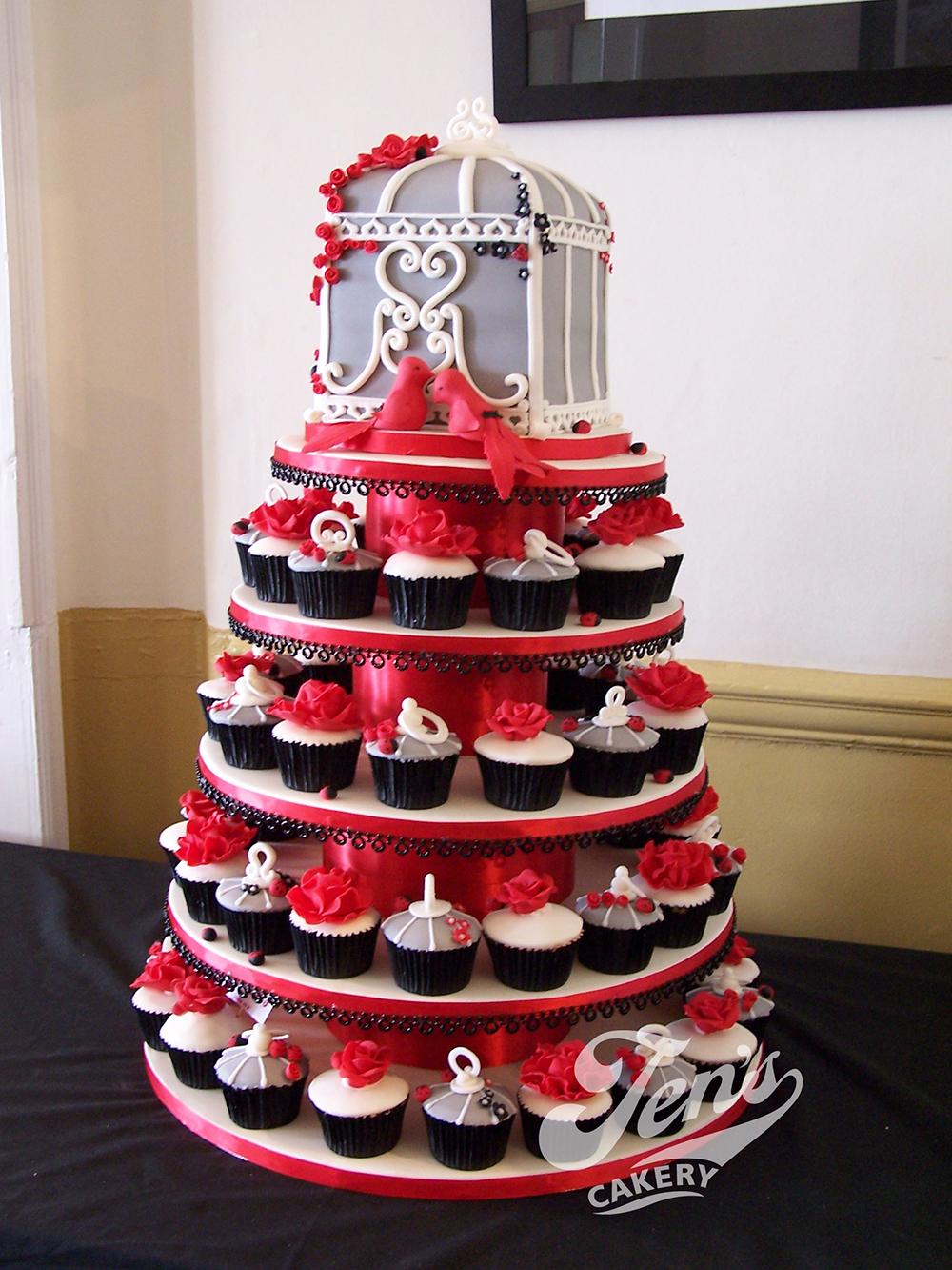 """""""Faith"""" birdcage cupcakes"""
