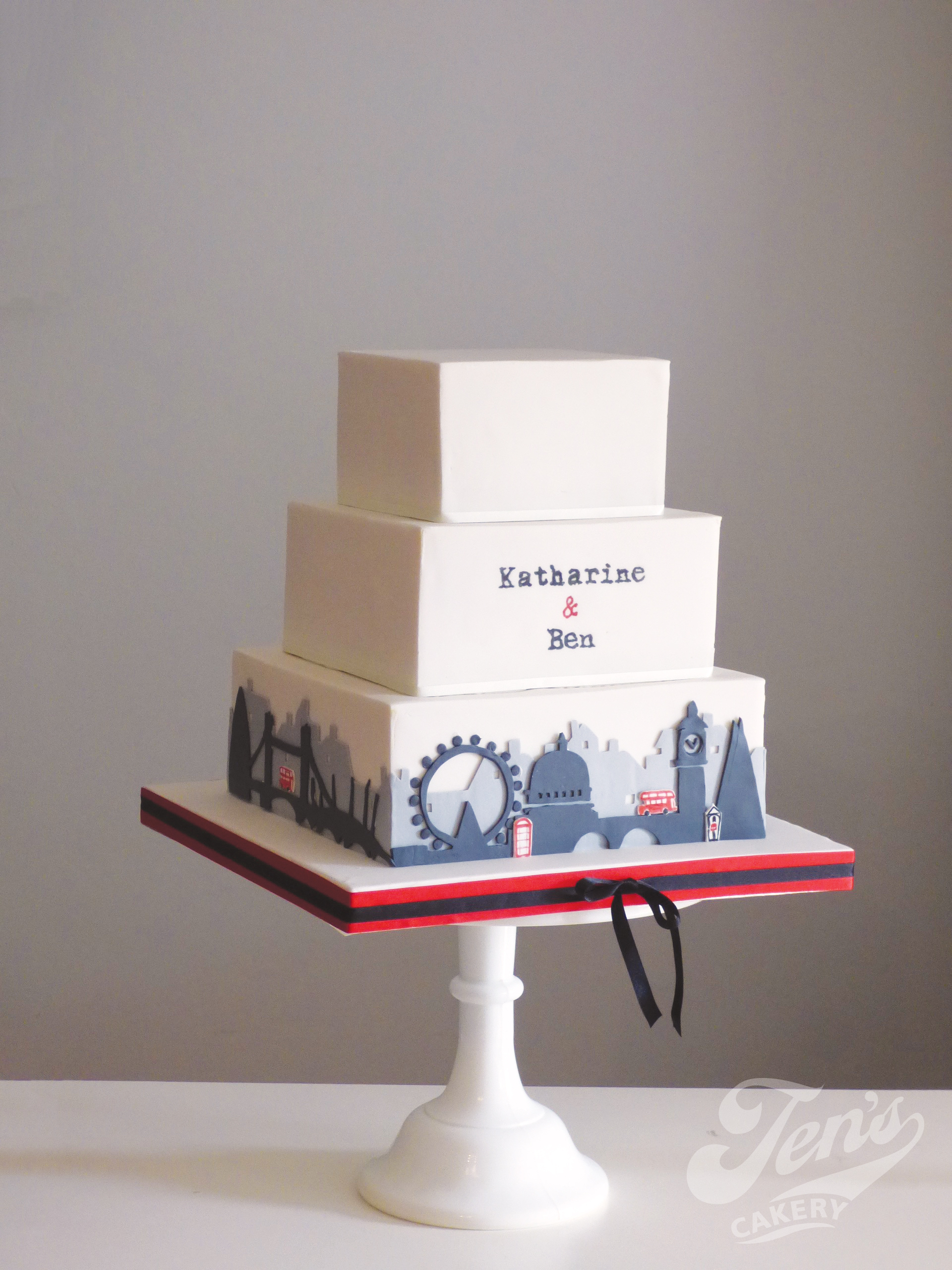 London Skyline wedding cake in red and black.