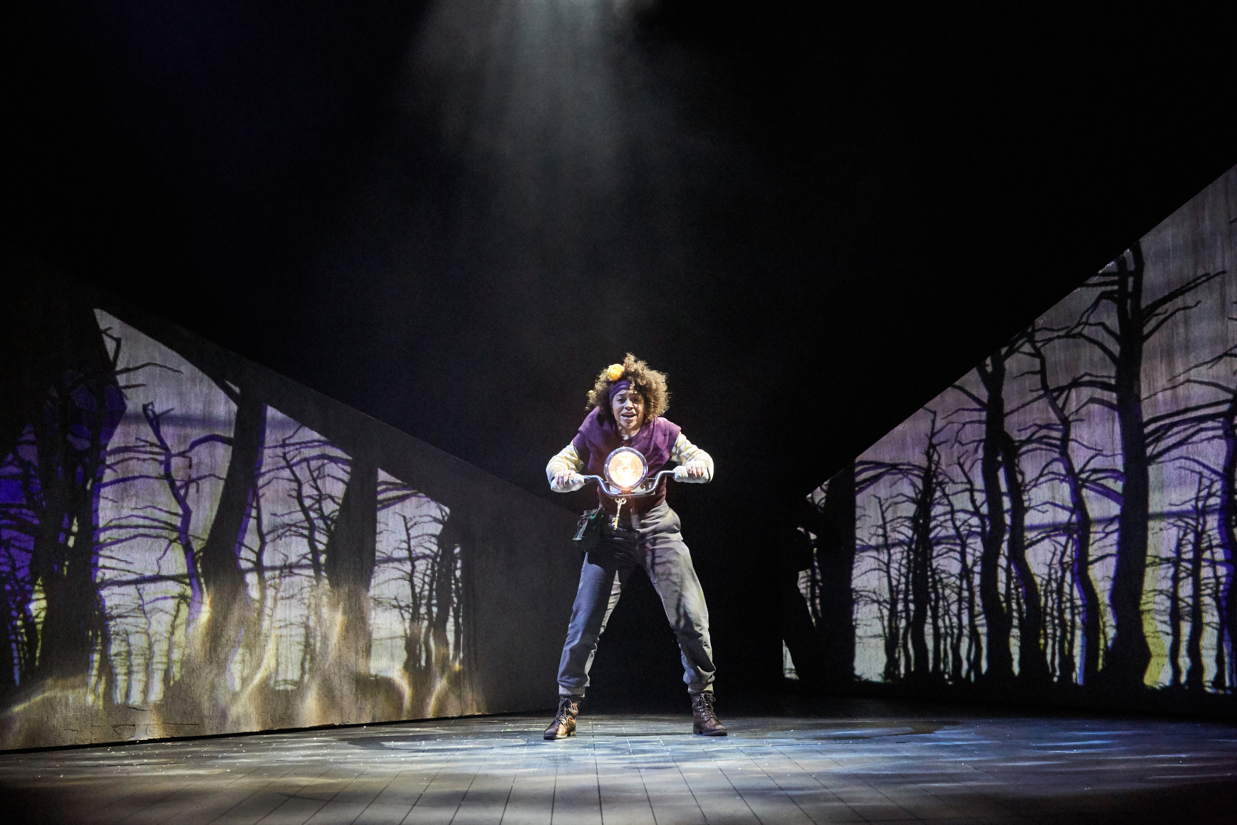 The Snow Queen at Bristol Old Vic. Photo by Mark Douet _31B1846.jpg