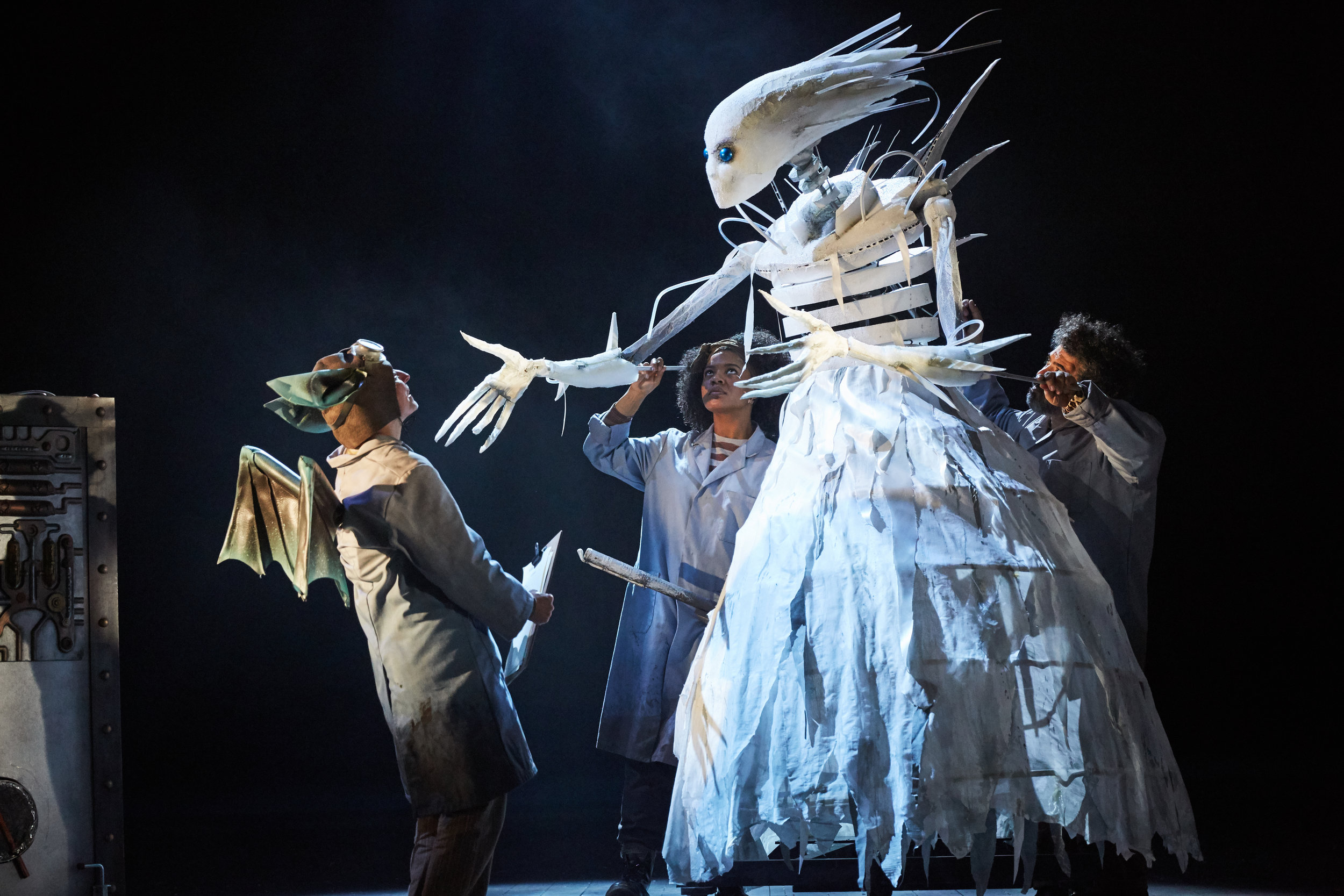 The Snow Queen at Bristol Old Vic. Photo by Mark Douet _31B0702.jpg