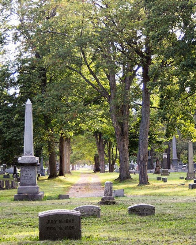 I have a confession to make this Halloween: I enjoy visiting Victorian era cemeteries when I travel. Before there were public parks and botanical gardens, cemeteries were designed not only as a final resting place for the dead, but also as a meditative space for the living ⚰️ Find out which famous American writer is buried in this Elmira, NY #cemetery in my latest blog post.