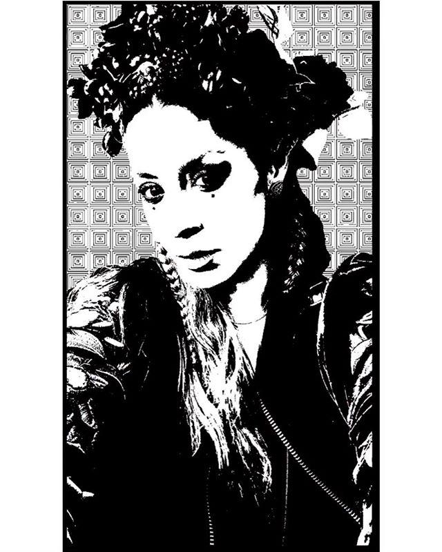 𝔓𝔢𝔯𝔰𝔢𝔭𝔥𝔬𝔫𝔢:: . . . . . . . #persephone #greekmythology #blackandwhite #digitalart