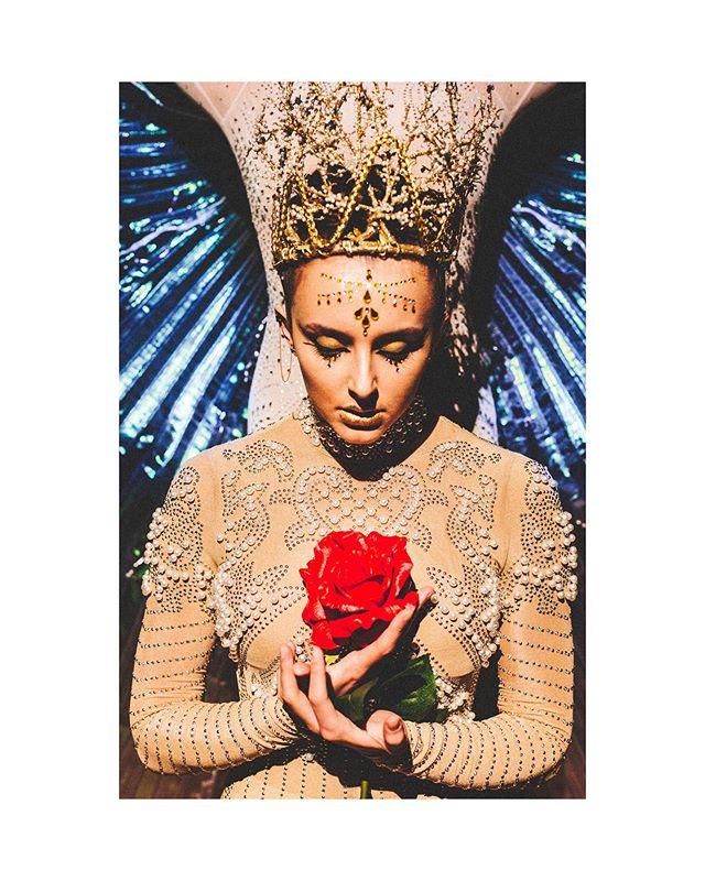 𝒯𝓇𝓊𝓈𝓉 :: . @sarahtakash 𝒶𝓈 𝒟𝑒𝓂𝑒𝓉𝑒𝓇 𝒾𝓃 𝓊𝓅𝒸𝑜𝓂𝒾𝓃𝑔 𝓅𝓇𝑜𝒹𝓊𝒸𝓉𝒾𝑜𝓃 𝑜𝒻 𝒫𝑒𝓇𝓈𝑒𝓅𝒽𝑜𝓃𝑒~ ⚜️ . . . . . . . #demeter #trust #persephone #greekmythology #trust #artphotography #fantasy #theater #ewc #goddess #greekgoddess #sacredlaw #dance #dancetheatre #dancer #dancersofig #dancersofinstagram #artistsonig #artistsoninstagram