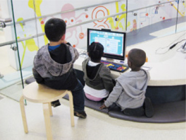 Many libraries have special computers for young children.