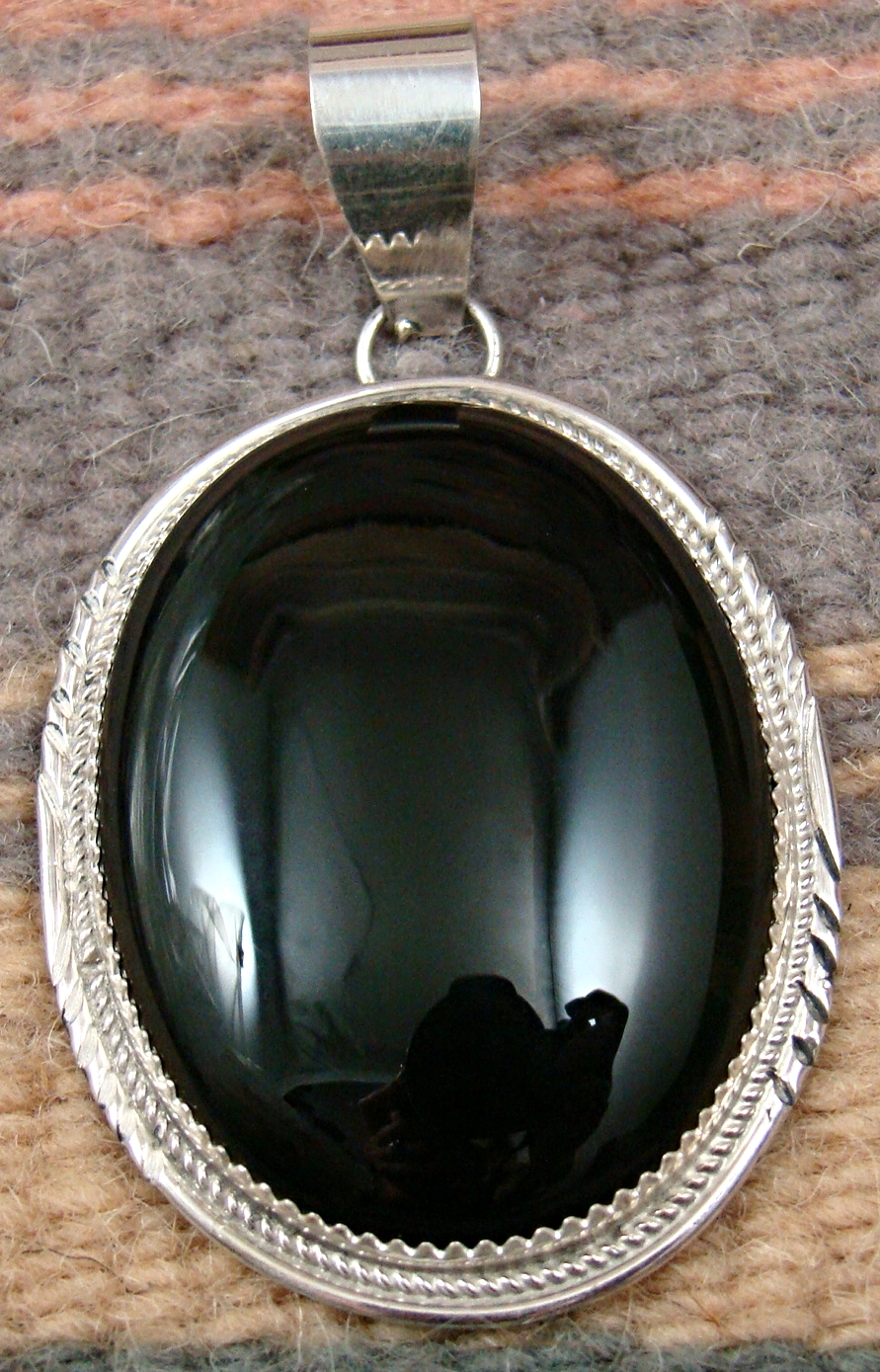 Item 785k Lg Navajo Oval Onyx Pendant By H Lee Native