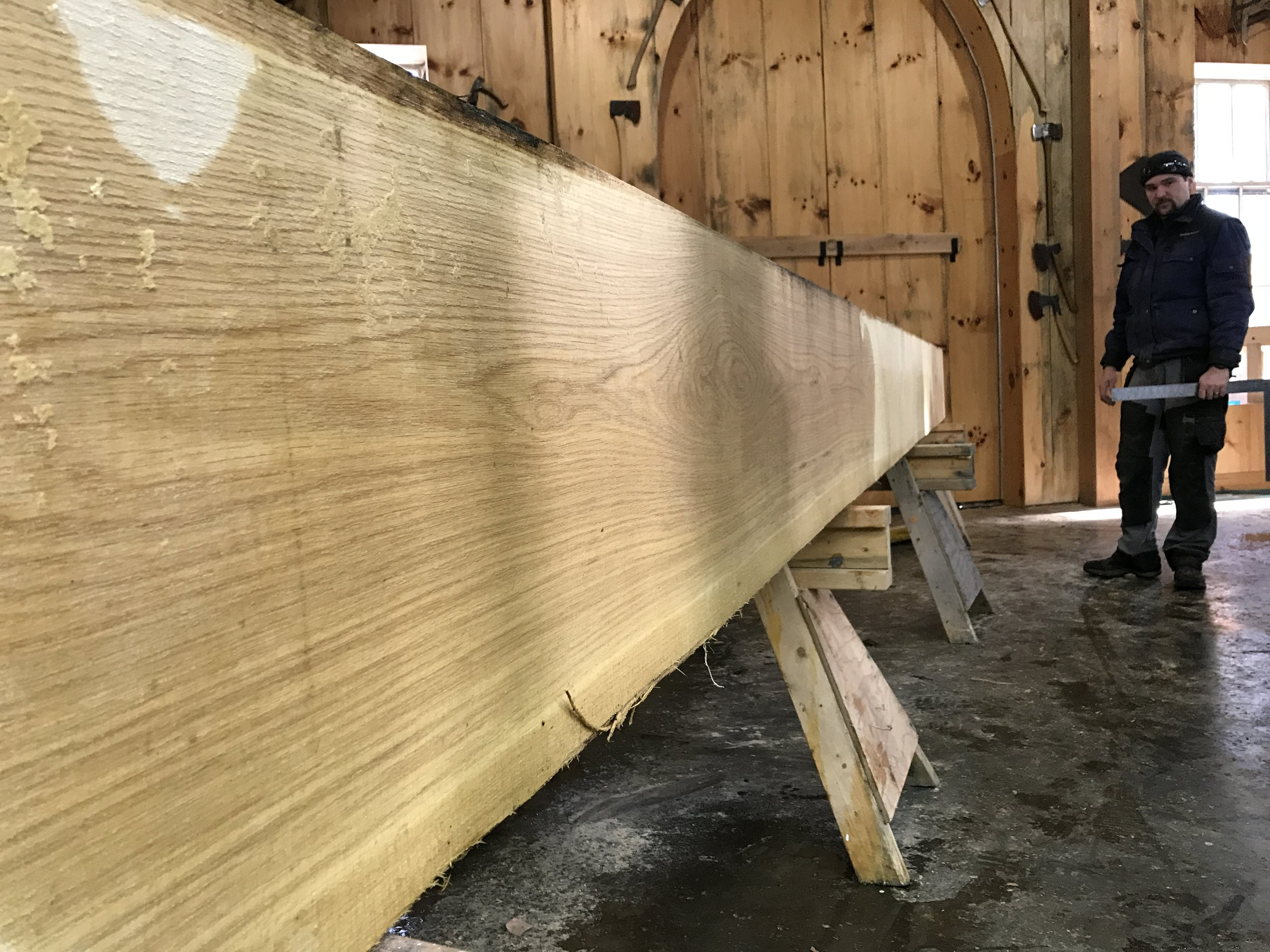Clear 9 x 16 x 22' white oak timber