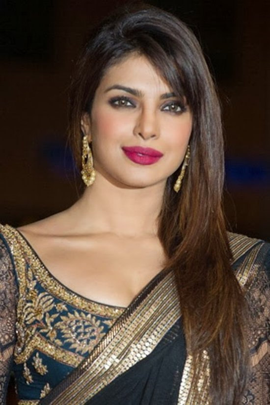 10-Beautiful-Lipstick-Shades-Of-Priyanka-Chopra-04.jpg