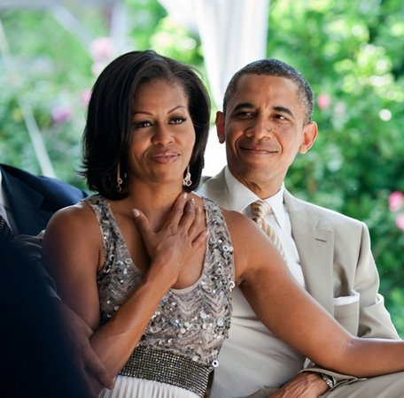44-romantic-photos-of-barack-and-michelle-obama.jpg