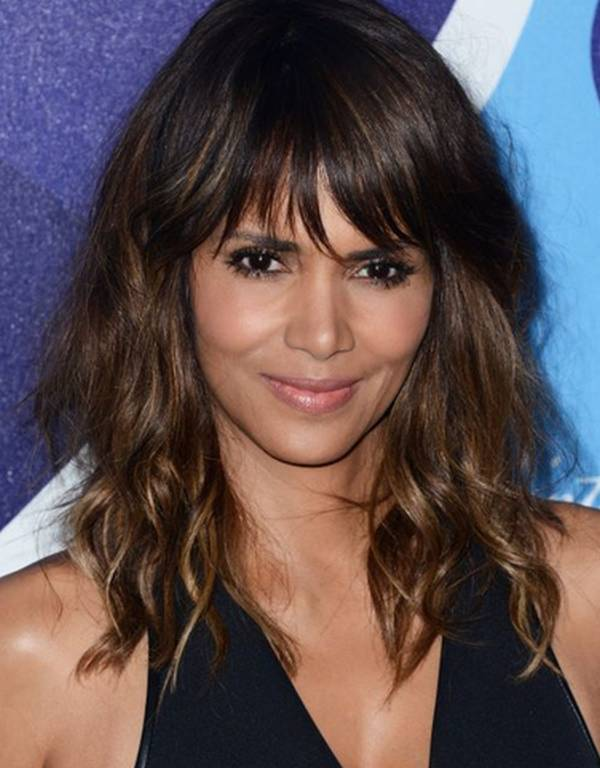 Halle-Berry-perfect-combination-Fringe-Ripple-style-her-long-square-hairstyles.jpg