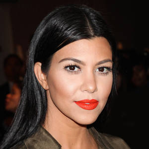 rs_300x300-160504123741-600.Kourtney-Kardashian-Hair-Tutorial.jpg