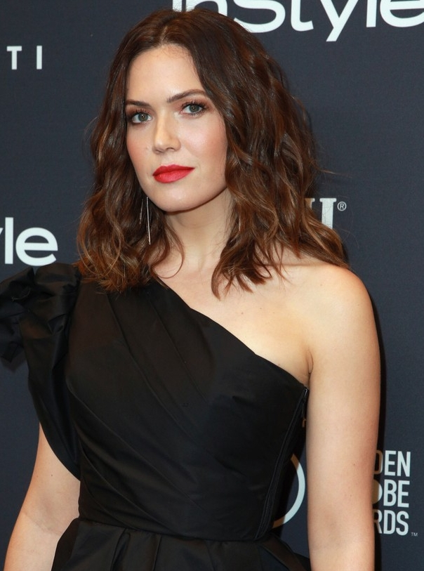 mandy-moore-this-is-us-co-stars-meet-up-at-instyles-golden-globes-25.jpg