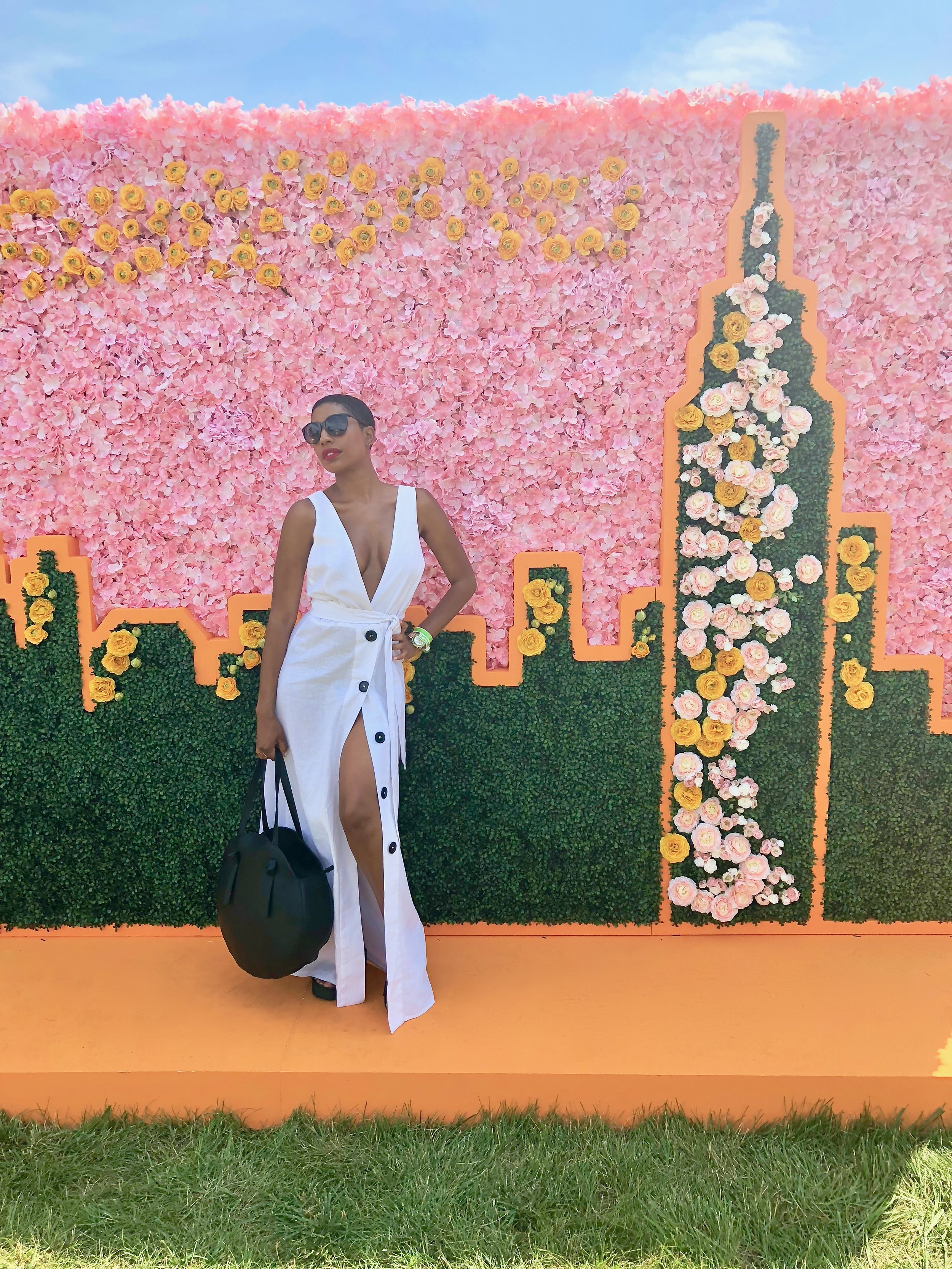 My sister Nikki, (  Newtexacaligal.com ) took on the sun and 2018 Veuve Clicquot Polo Classic. We had a blast and I re-learned a valuable skincare lesson.