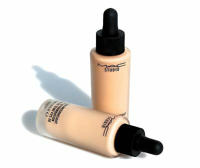 MAC-Studio-Waterweight-Foundation-NC30-SPF-30-Makeup.jpg