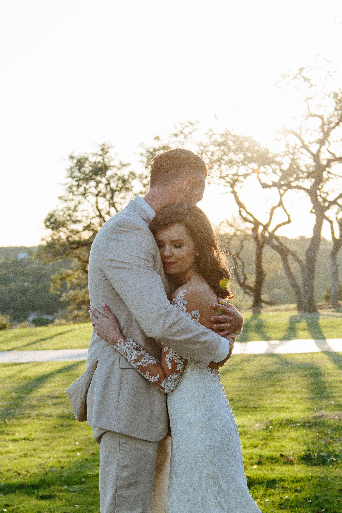 Alexandra-White-Austin-Wedding-Photographer-Canyonwood-Ridge00032.jpg