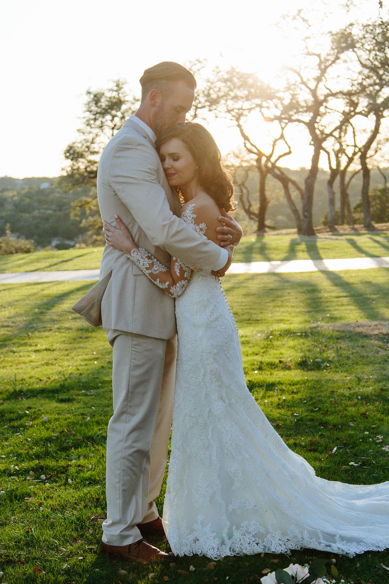 Alexandra-White-Austin-Wedding-Photographer-Canyonwood-Ridge00033.jpg