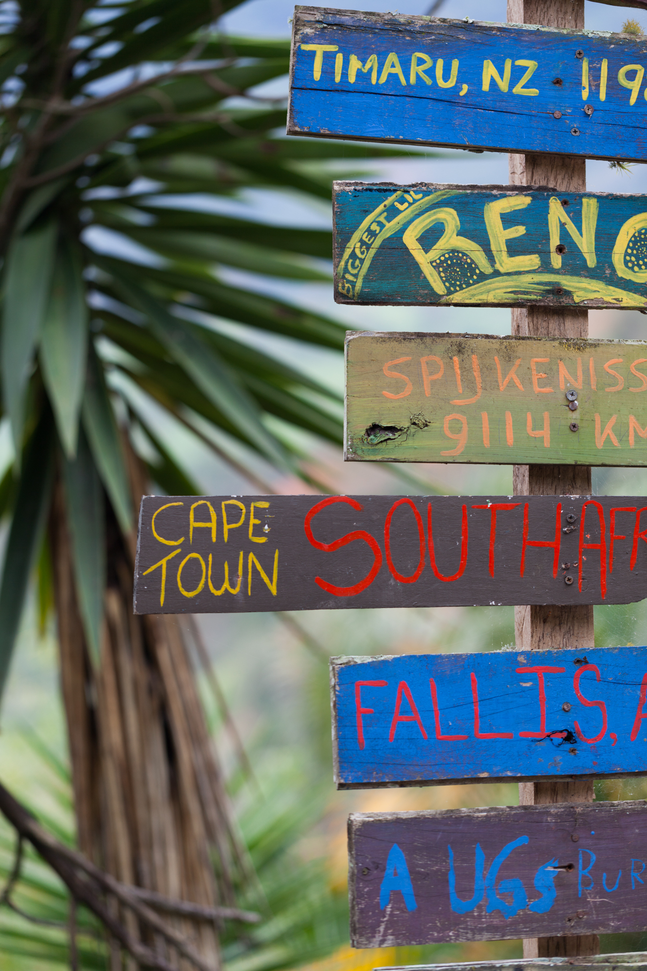 country-signs-el-salto-ecolodge.jpg