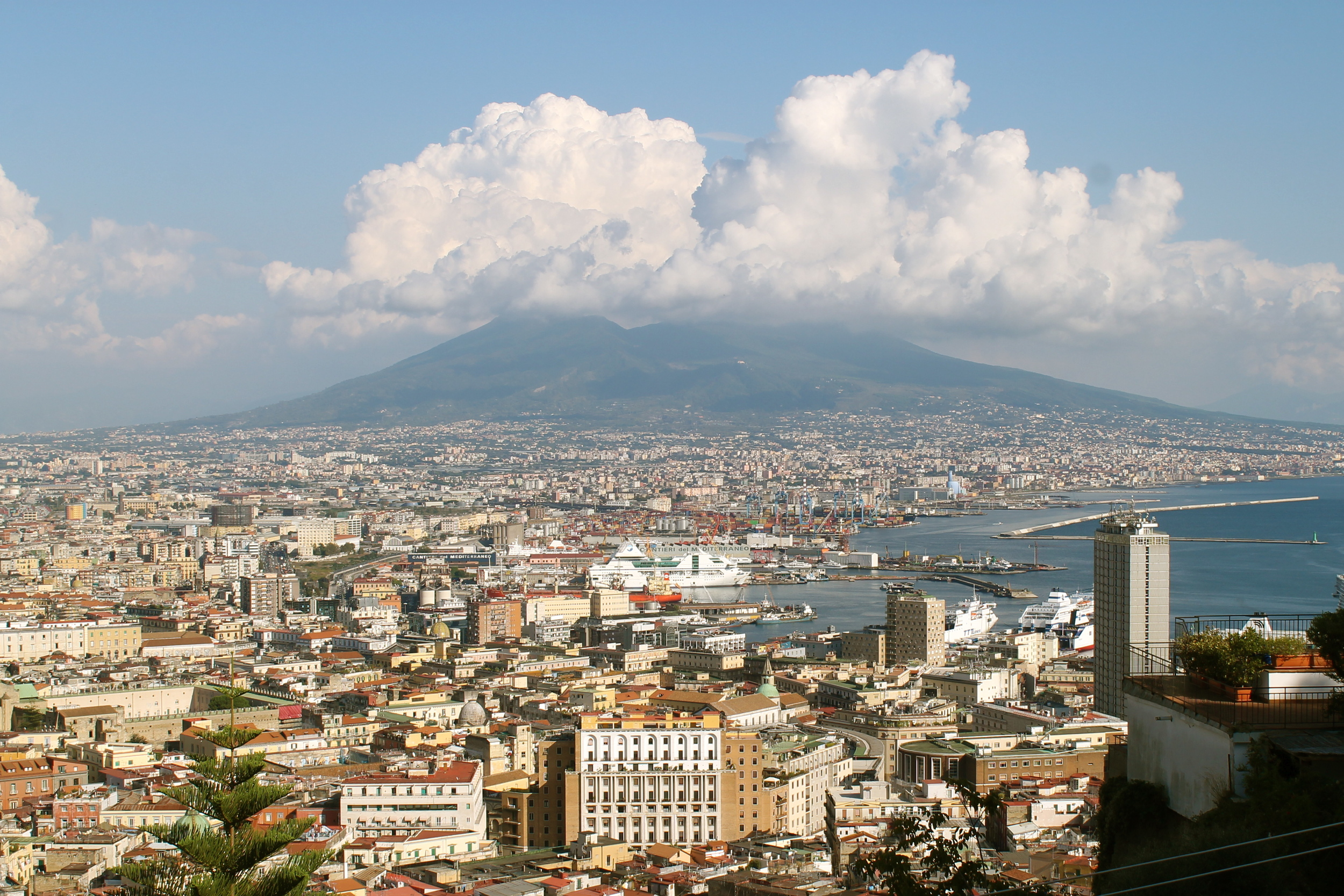 Vesuvius, looming in the background.